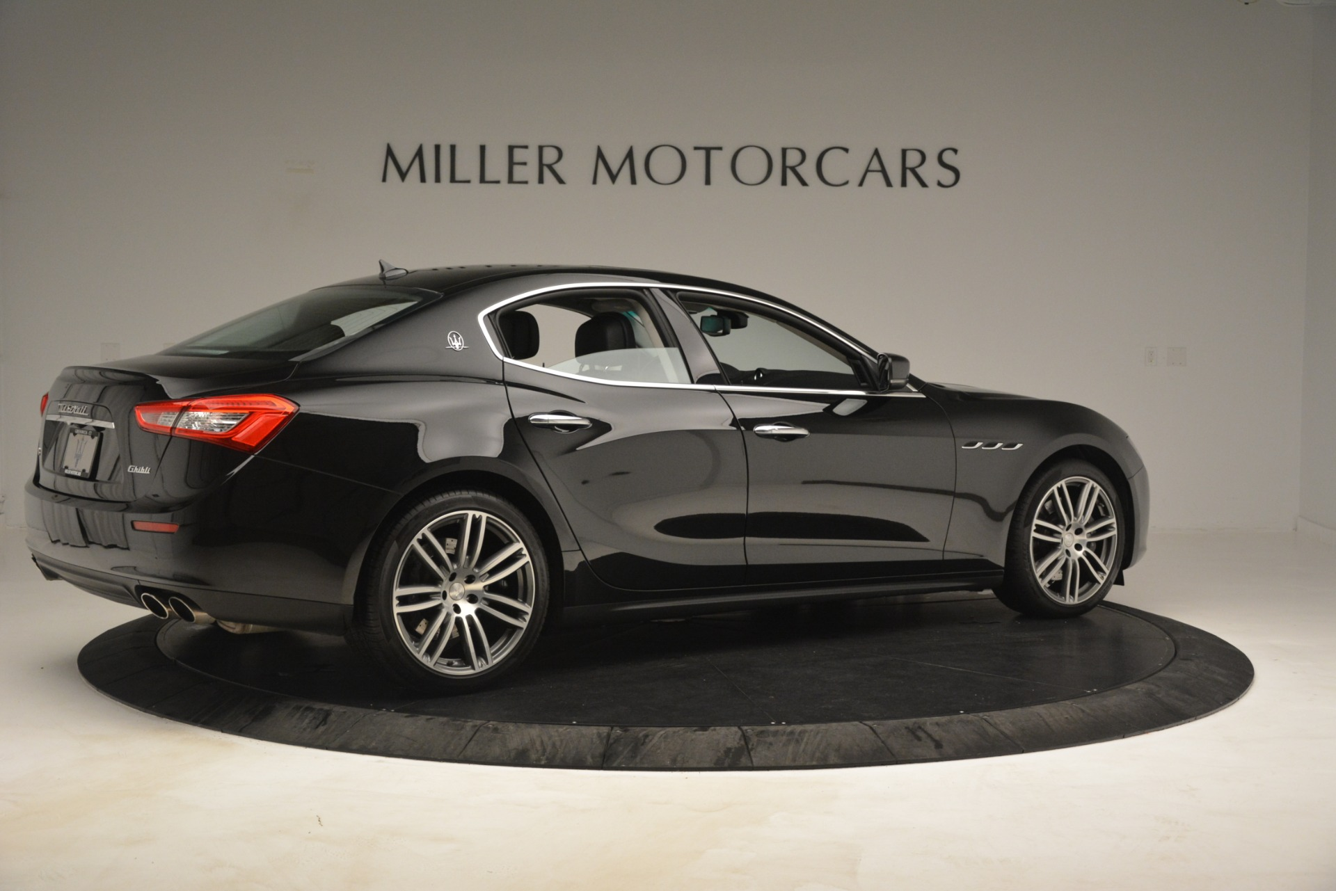 Used 2015 Maserati Ghibli S Q4 For Sale In Westport, CT 3102_p8
