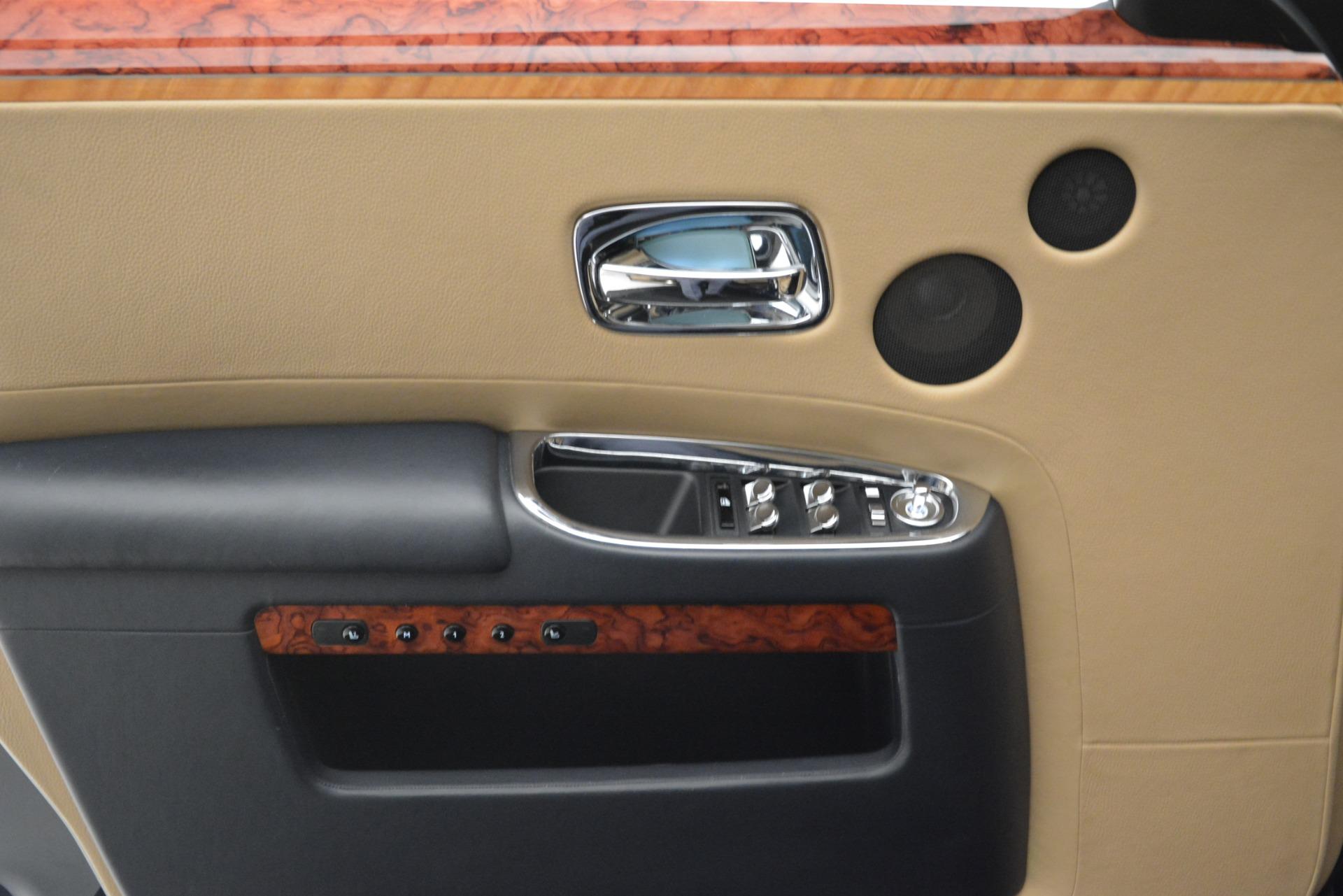 Used 2015 Rolls-Royce Ghost  For Sale In Westport, CT 3113_p24