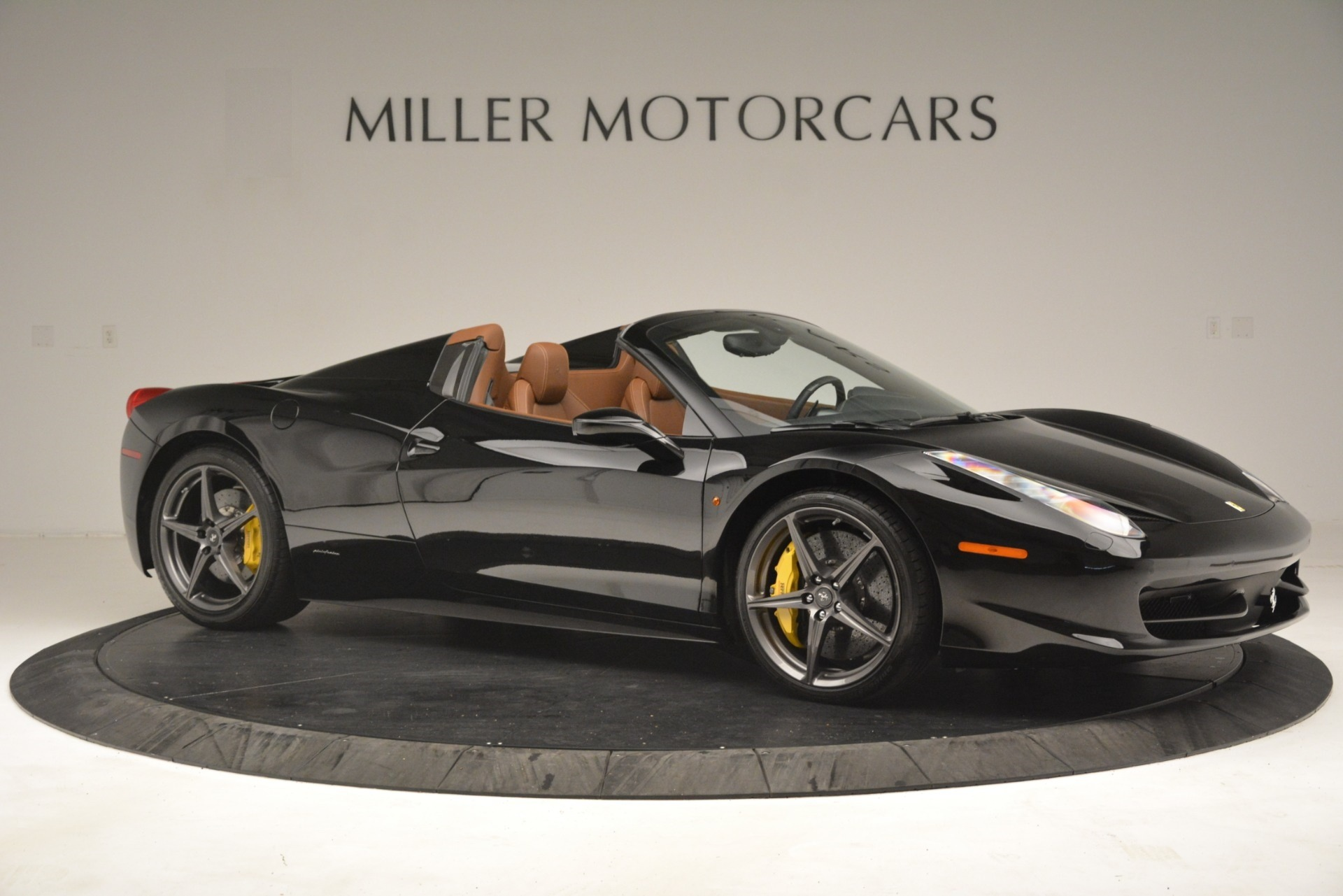 Used 2013 Ferrari 458 Spider  For Sale In Westport, CT 3114_p10