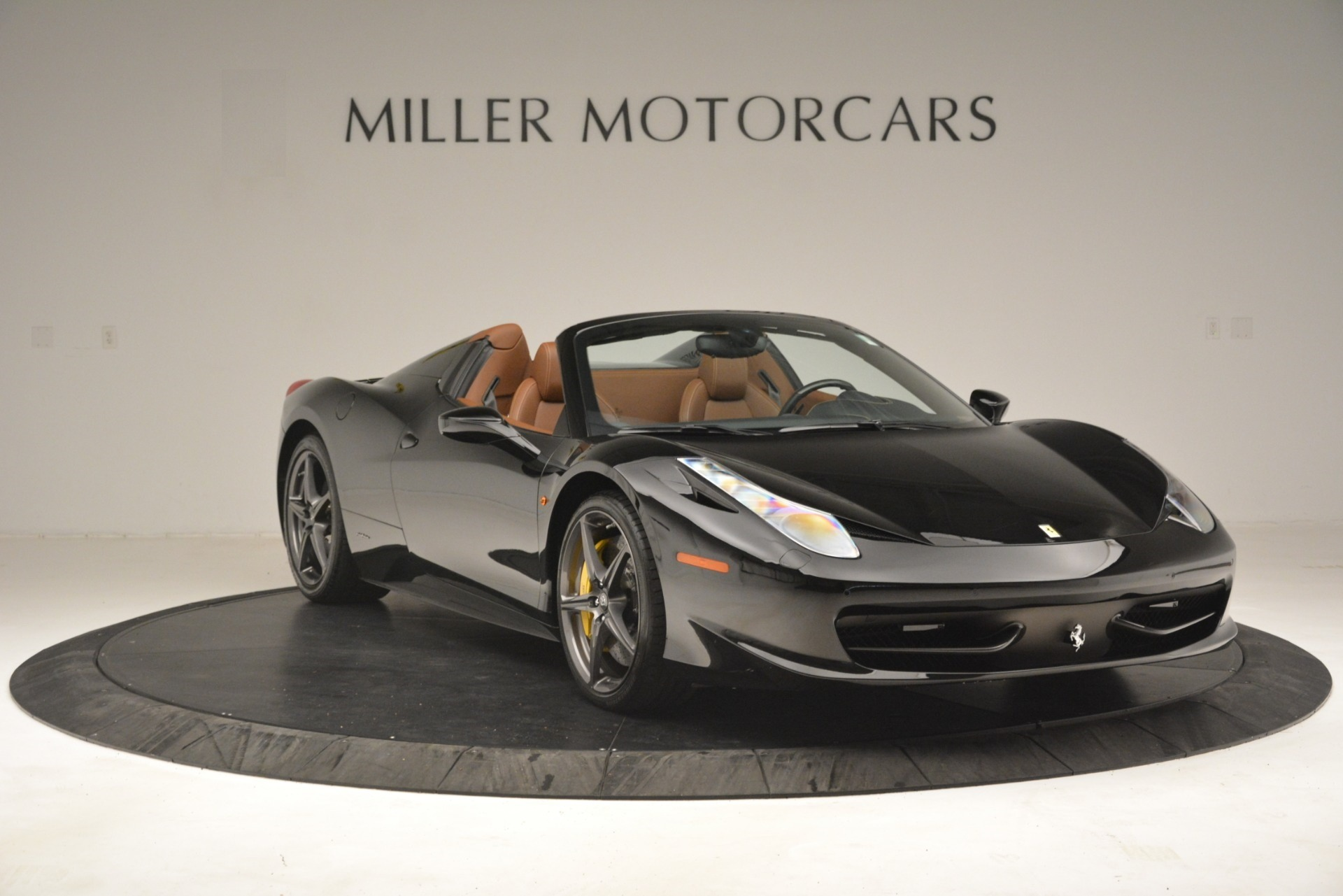 Used 2013 Ferrari 458 Spider  For Sale In Westport, CT 3114_p11