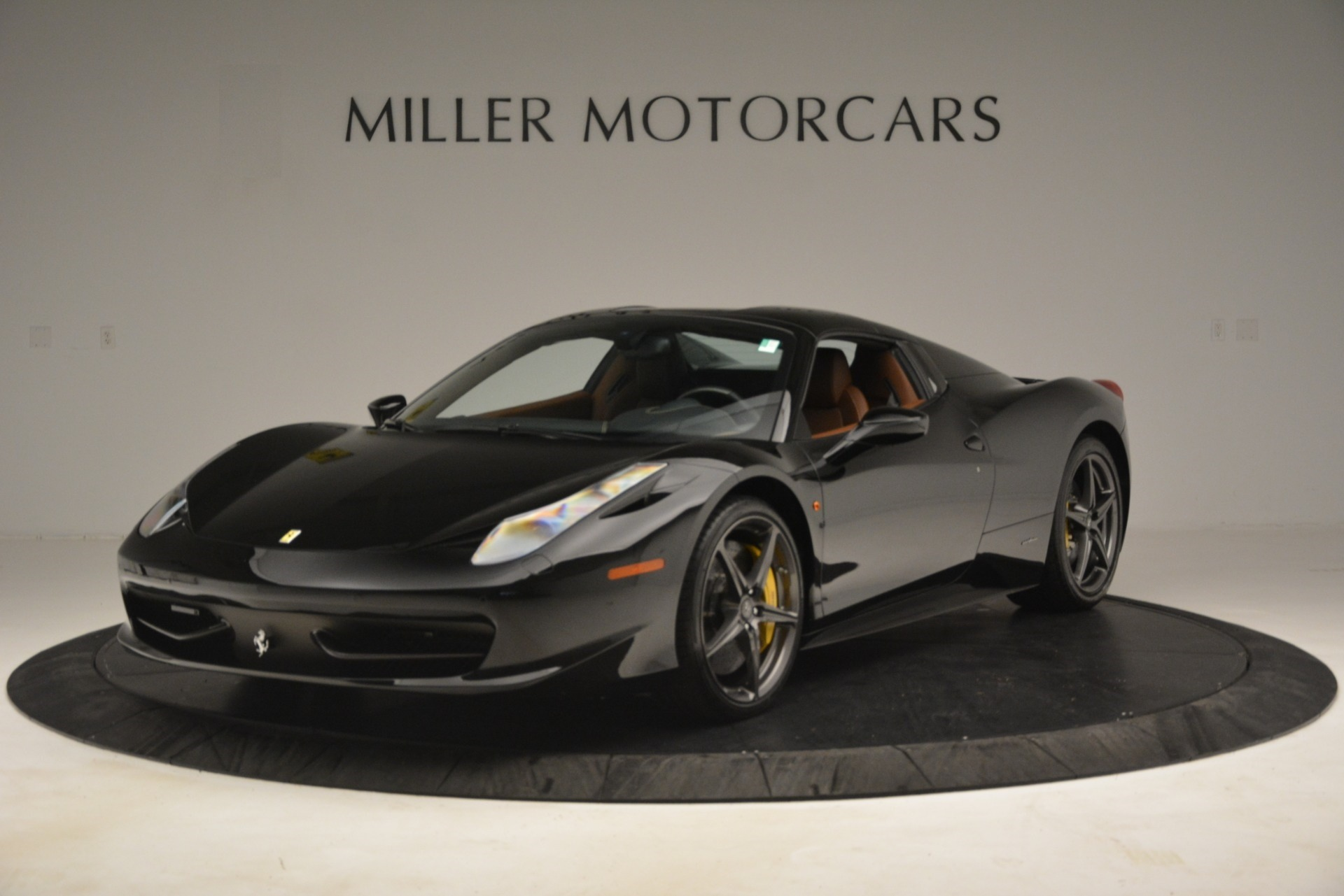 Used 2013 Ferrari 458 Spider  For Sale In Westport, CT 3114_p13