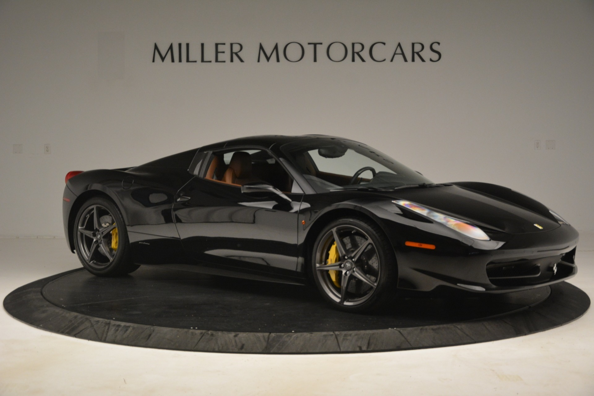 Used 2013 Ferrari 458 Spider  For Sale In Westport, CT 3114_p18