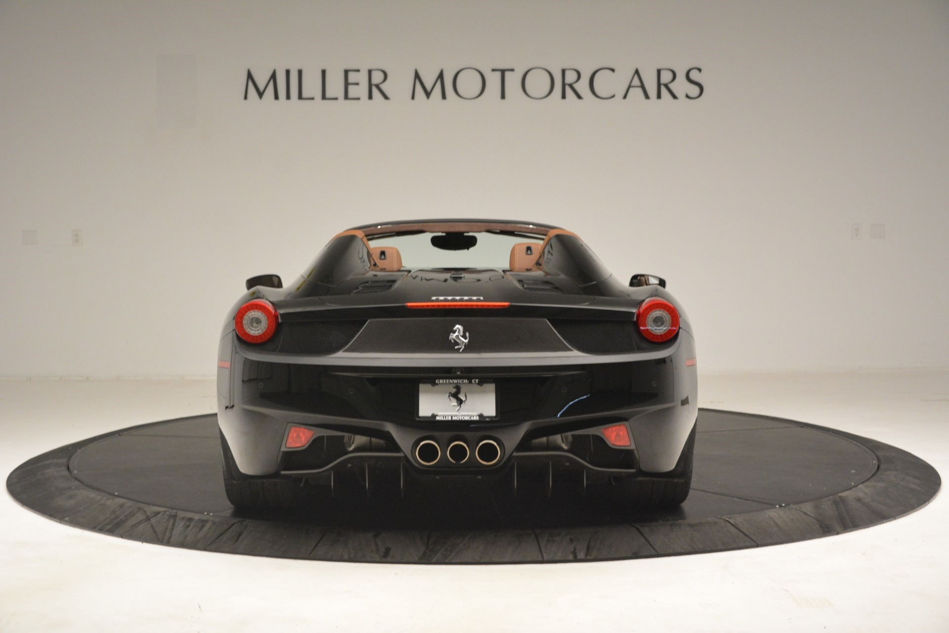 Used 2013 Ferrari 458 Spider  For Sale In Westport, CT 3114_p6