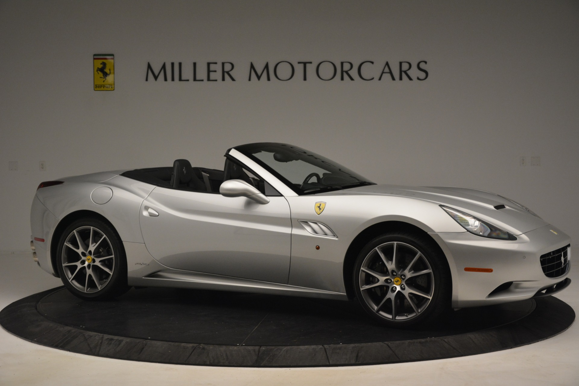 Used 2012 Ferrari California  For Sale In Westport, CT 3117_p10