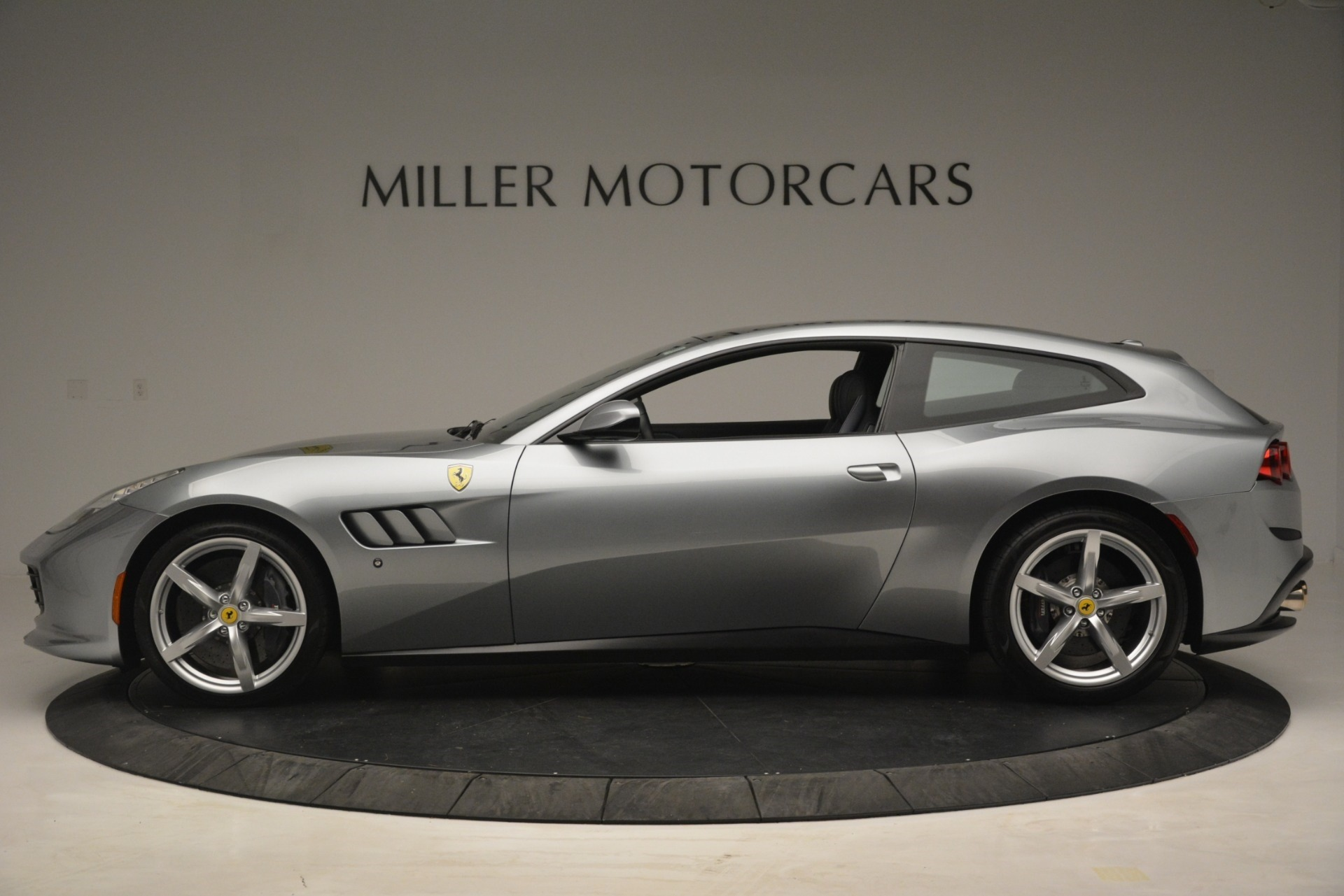 Used 2017 Ferrari GTC4Lusso  For Sale In Westport, CT 3119_p3