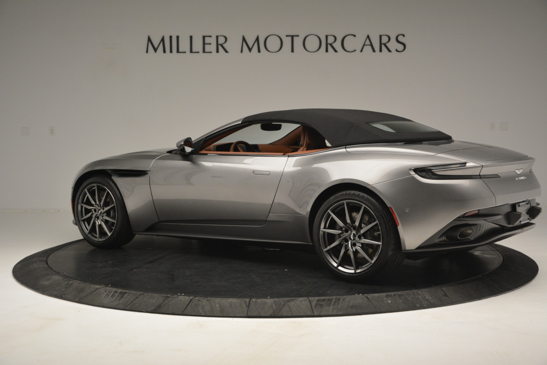New 2019 Aston Martin DB11 V8 Convertible For Sale In Westport, CT 3121_p15