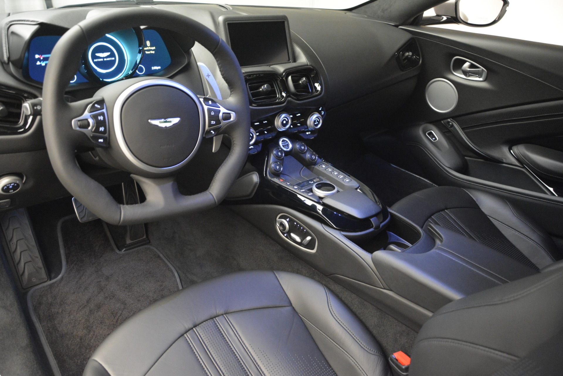 New 2019 Aston Martin Vantage Coupe For Sale In Westport, CT 3122_p14