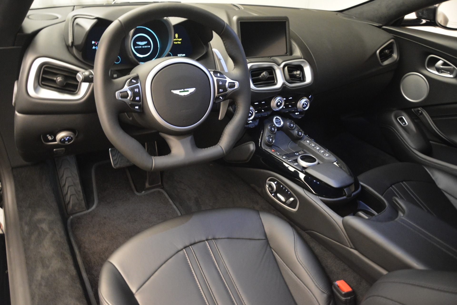 New 2019 Aston Martin Vantage V8 For Sale In Westport, CT 3124_p13