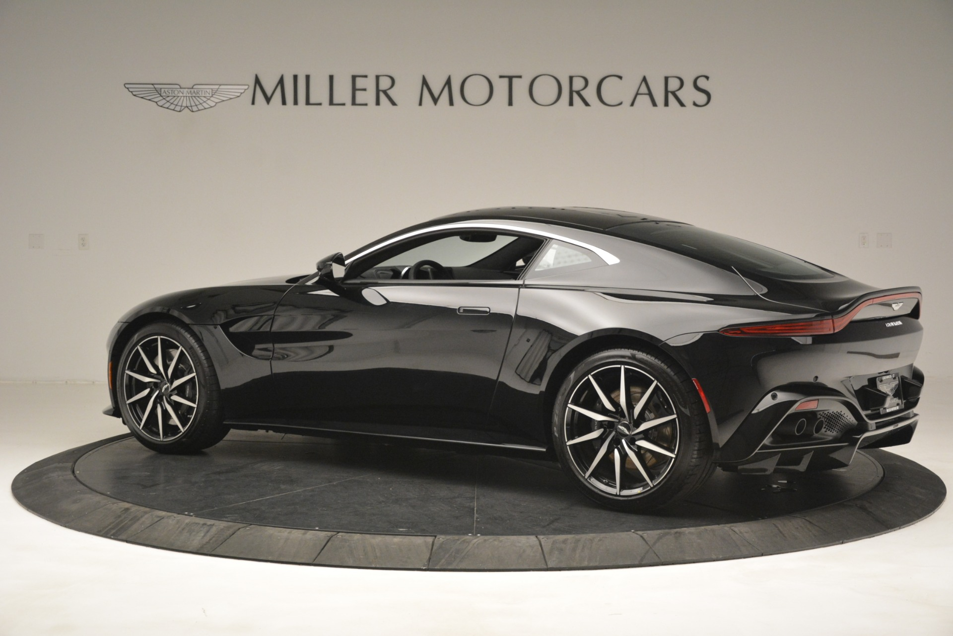 New 2019 Aston Martin Vantage V8 For Sale In Westport, CT 3124_p4