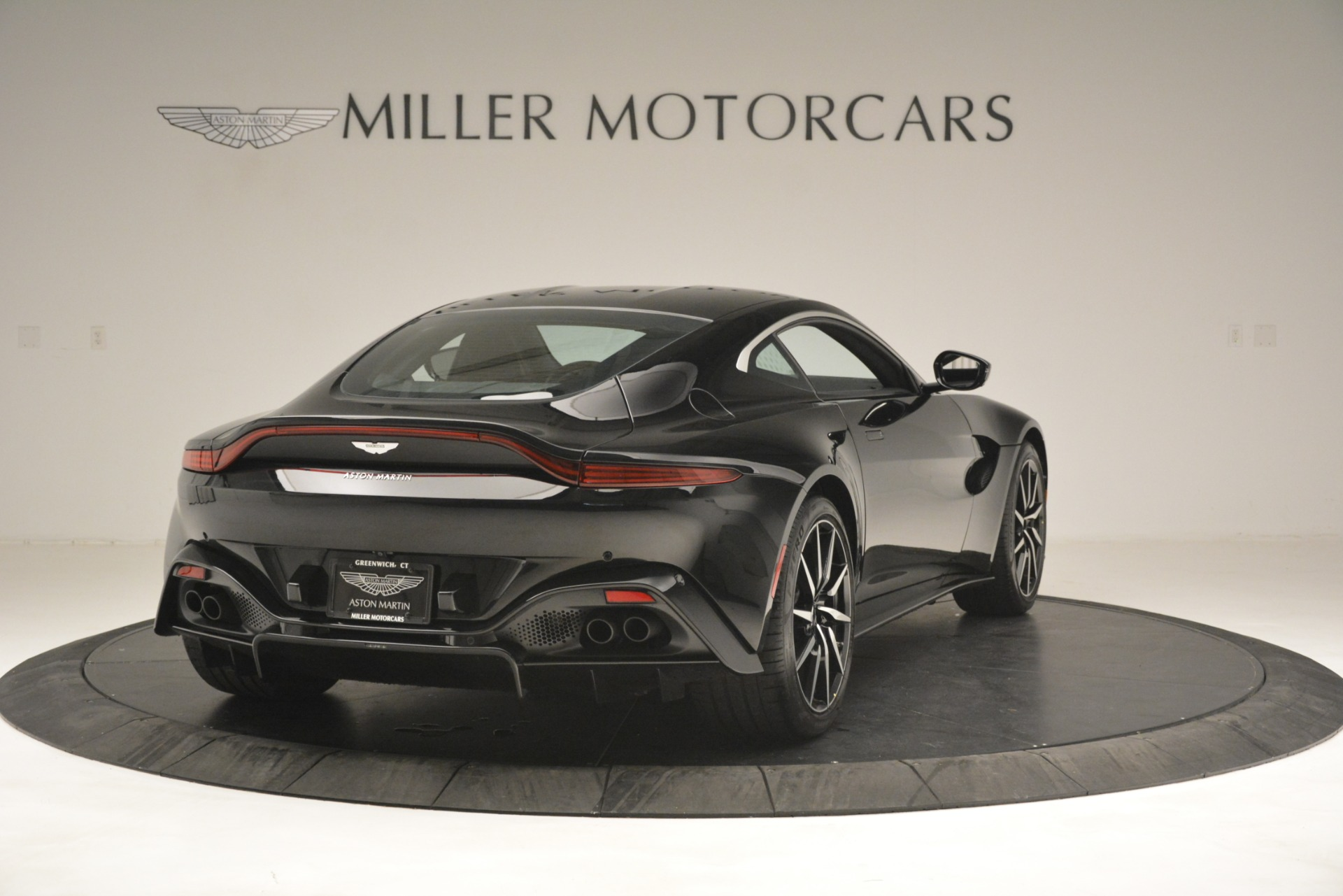 New 2019 Aston Martin Vantage V8 For Sale In Westport, CT 3124_p7