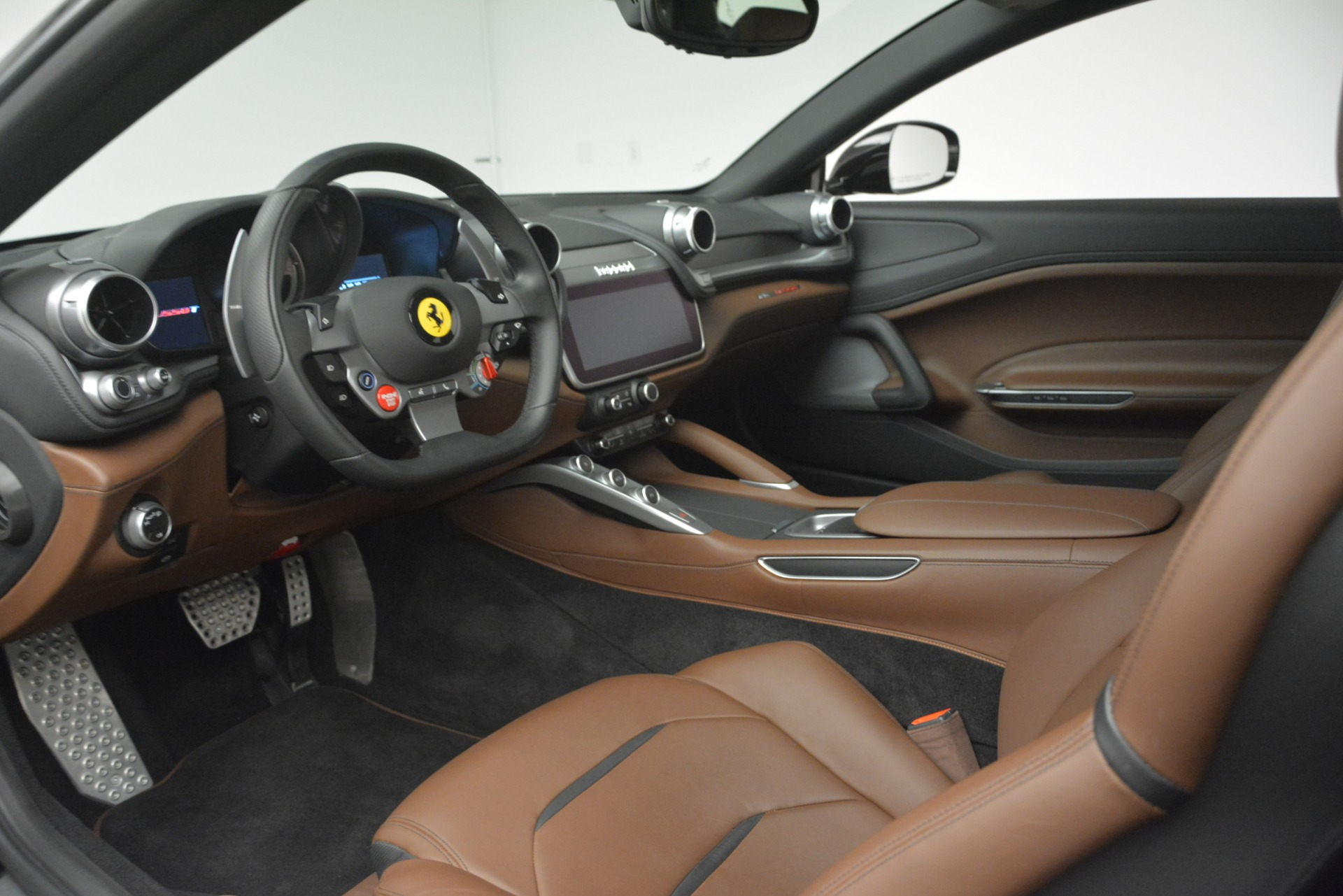 Used 2018 Ferrari GTC4Lusso T  For Sale In Westport, CT 3125_p13