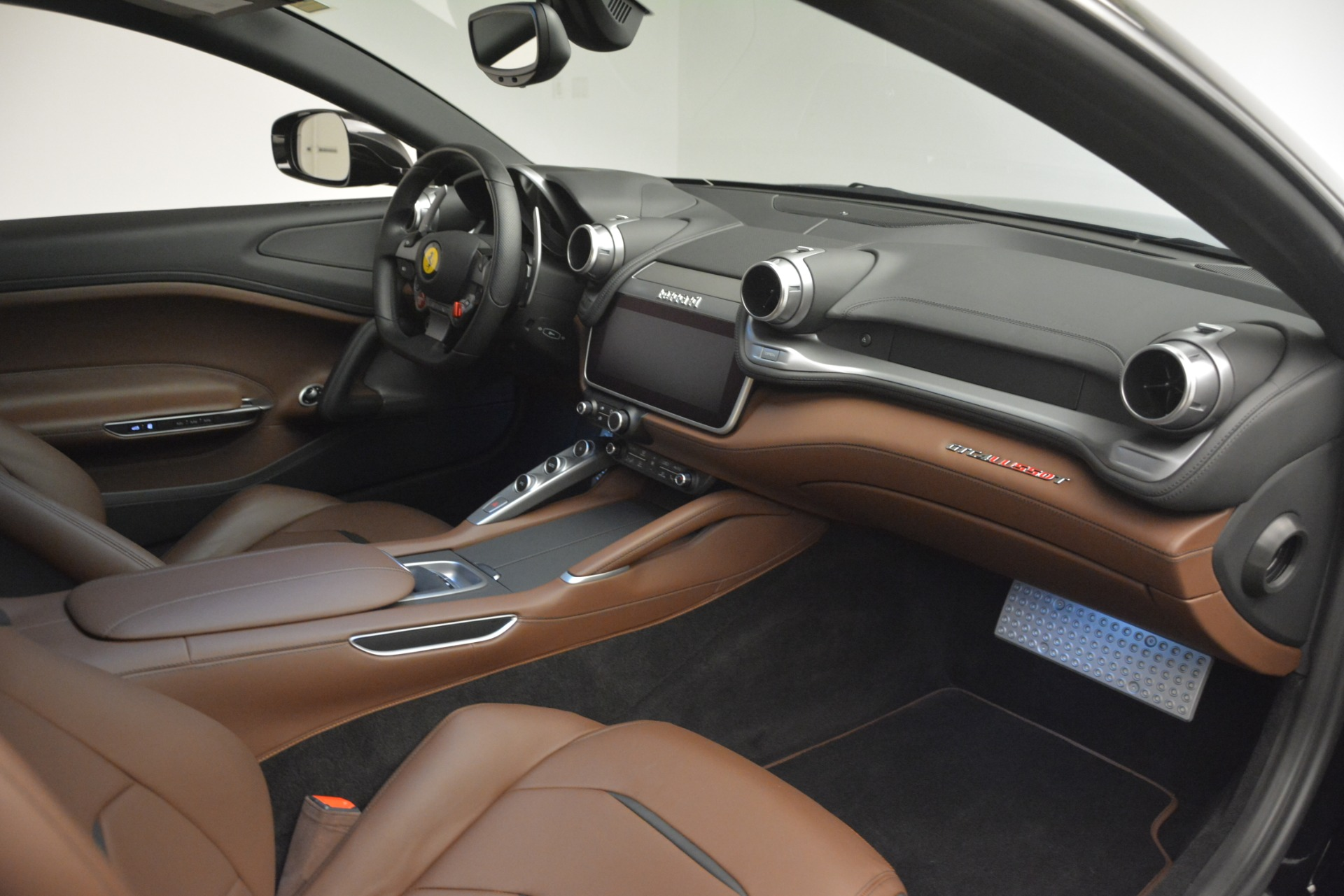 Used 2018 Ferrari GTC4Lusso T  For Sale In Westport, CT 3125_p18