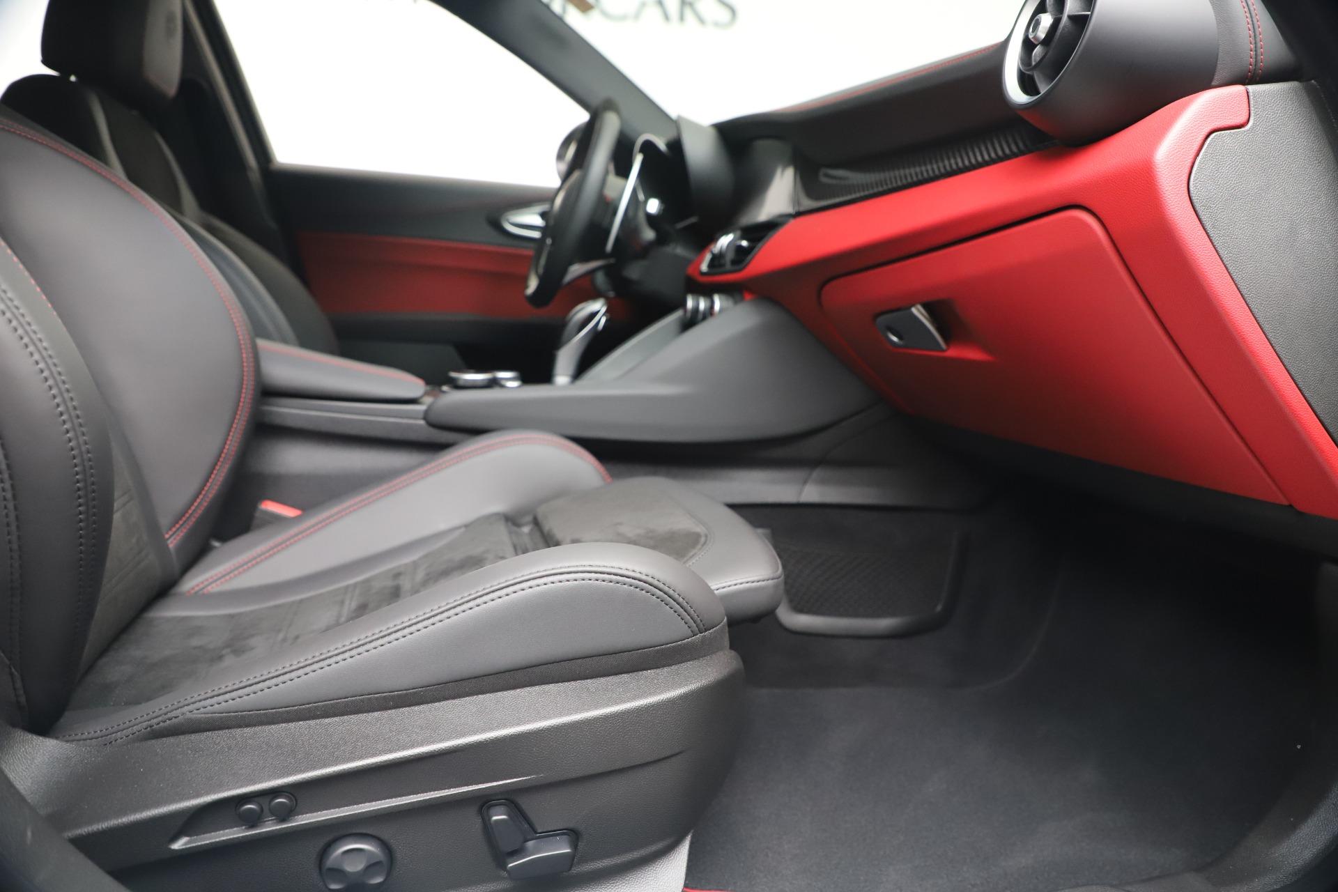 New 2019 Alfa Romeo Giulia Quadrifoglio For Sale In Westport, CT 3130_p23
