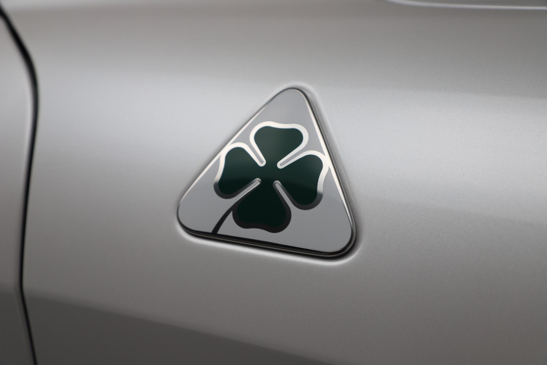 New 2019 Alfa Romeo Giulia Quadrifoglio For Sale In Westport, CT 3130_p33