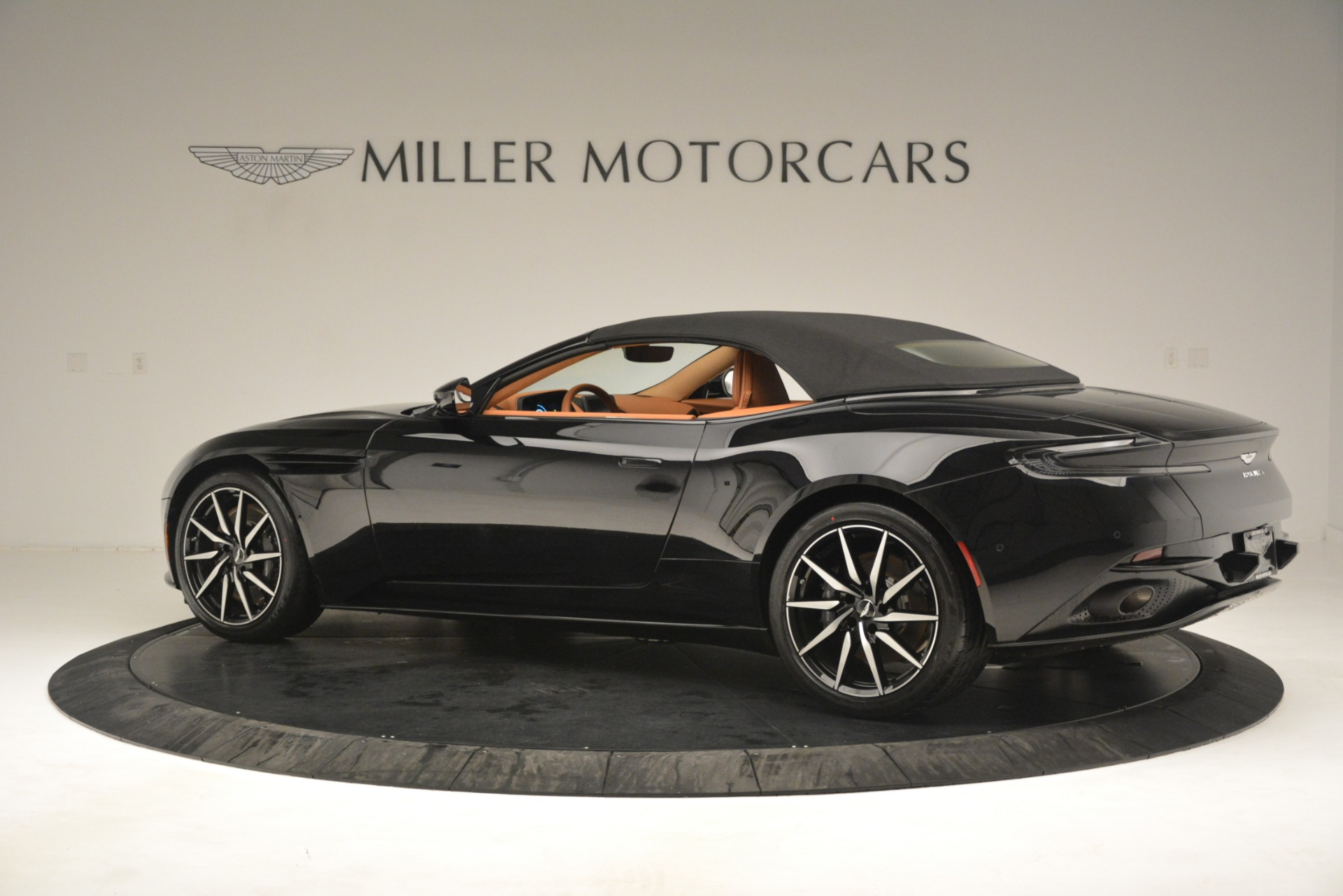 New 2019 Aston Martin DB11 V8 Convertible For Sale In Westport, CT 3135_p15