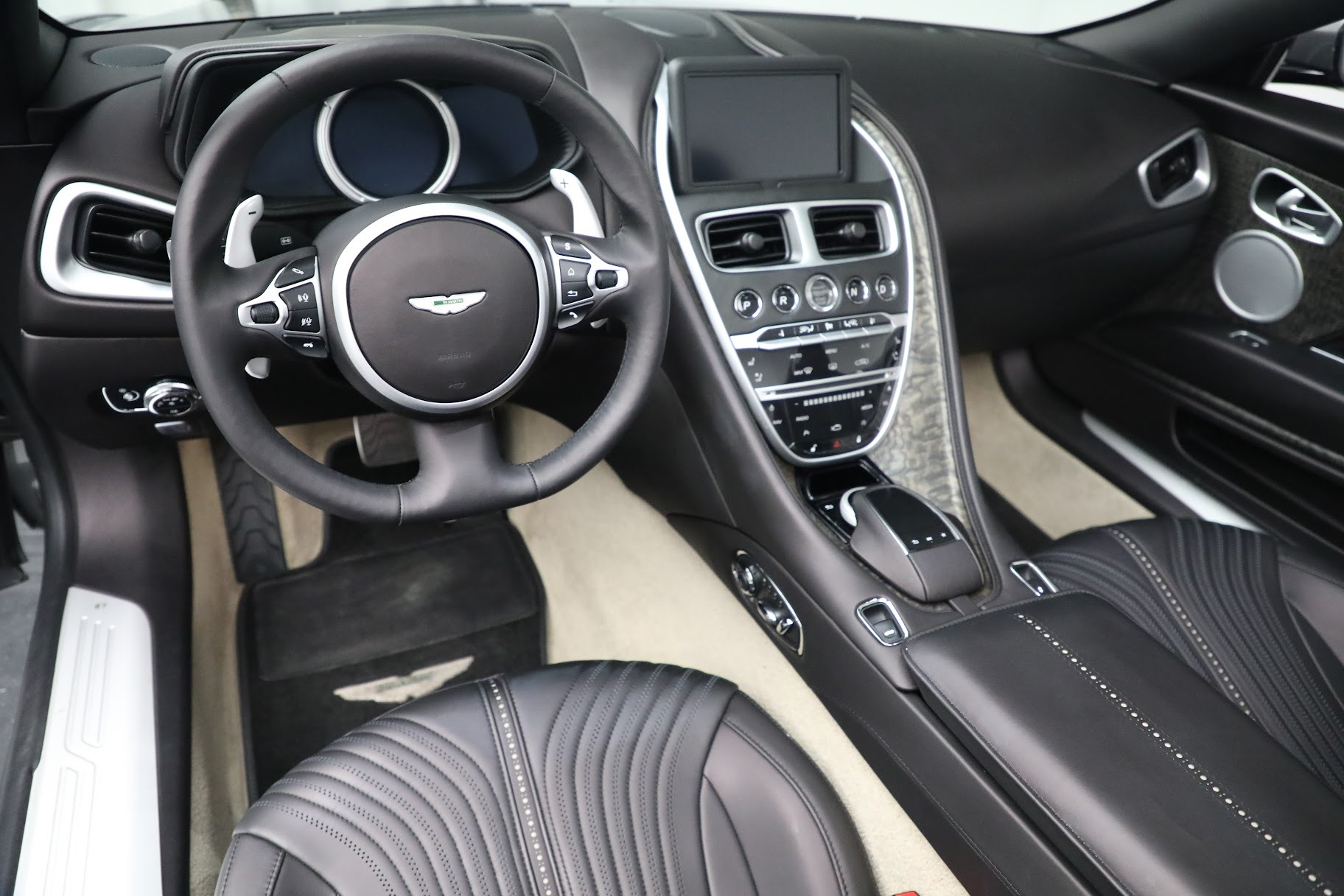 New 2019 Aston Martin DB11 V8 Convertible For Sale In Westport, CT 3136_p19