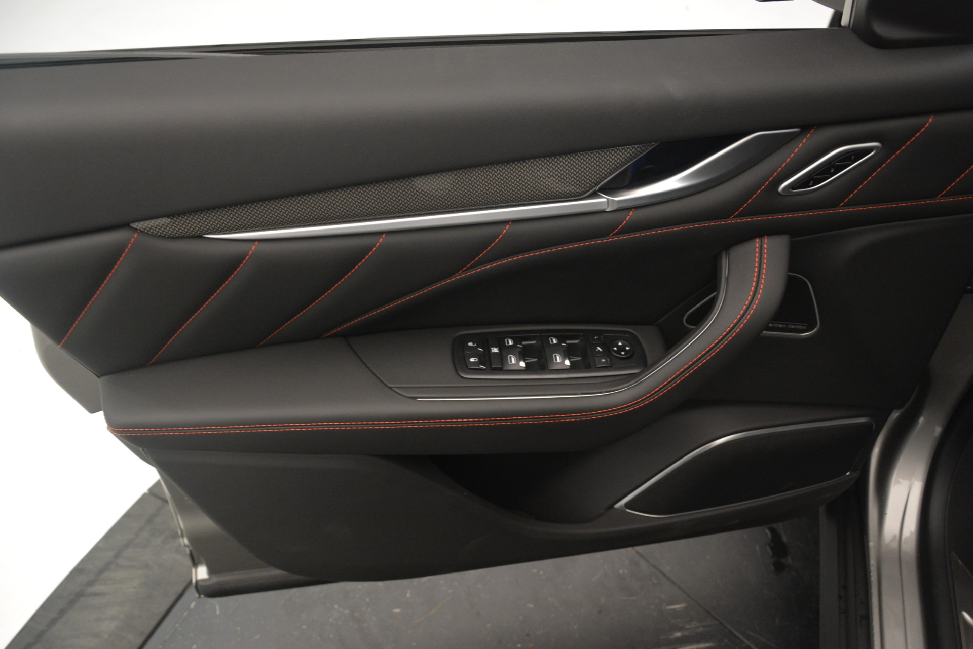 New 2019 Maserati Levante SQ4 GranSport Nerissimo For Sale In Westport, CT 3144_p17