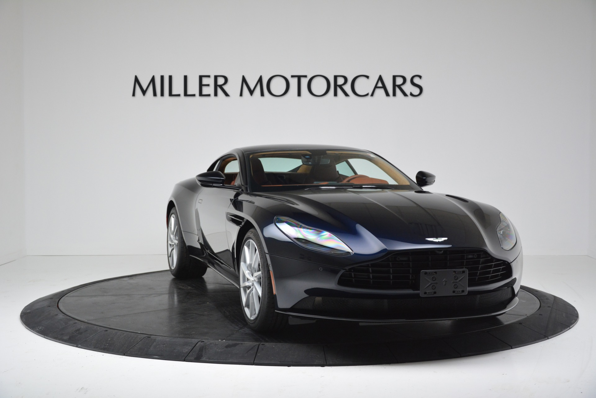 New 2019 Aston Martin DB11 V8 Coupe For Sale In Westport, CT 3145_p11