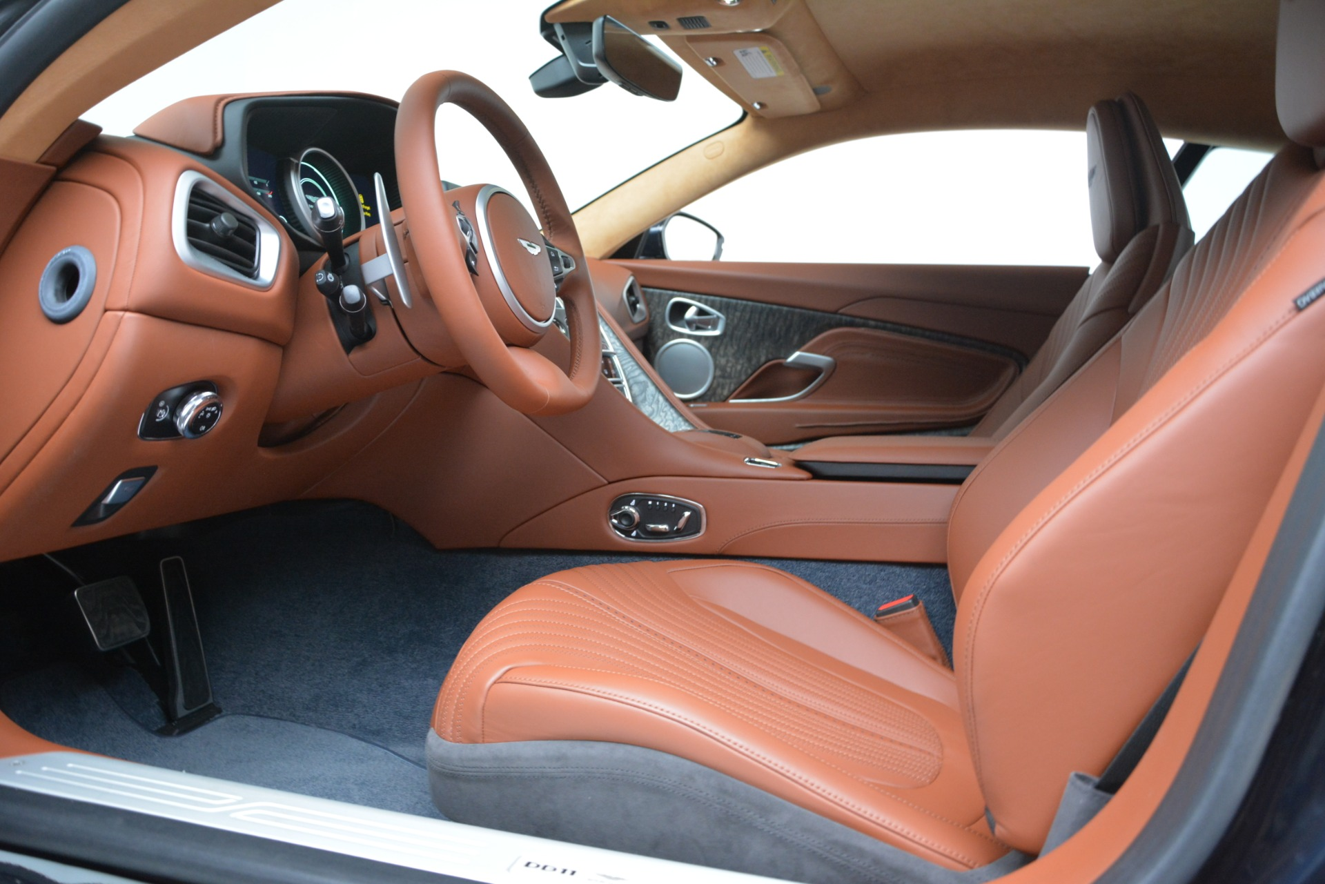 New 2019 Aston Martin DB11 V8 Coupe For Sale In Westport, CT 3145_p15