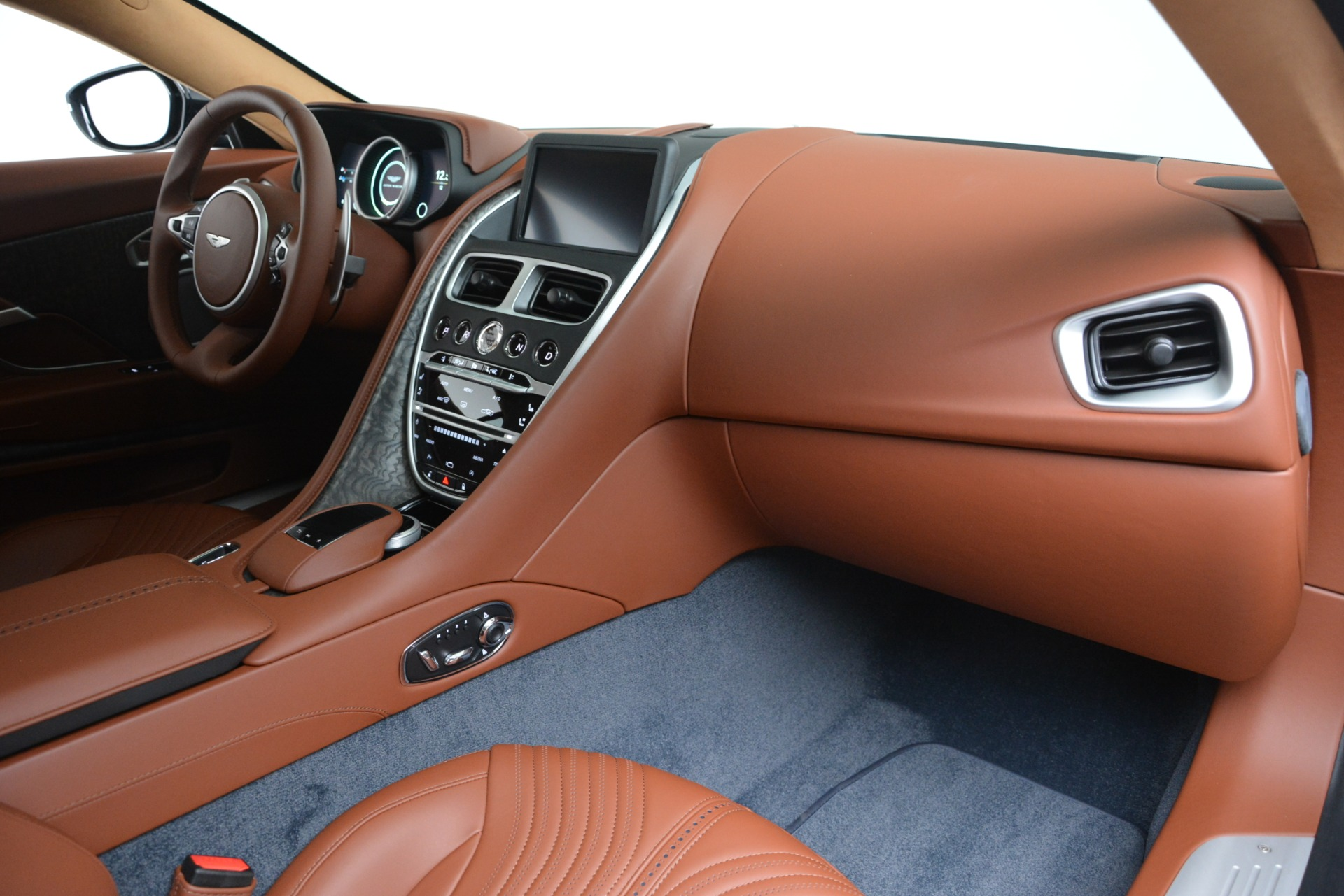New 2019 Aston Martin DB11 V8 Coupe For Sale In Westport, CT 3145_p19