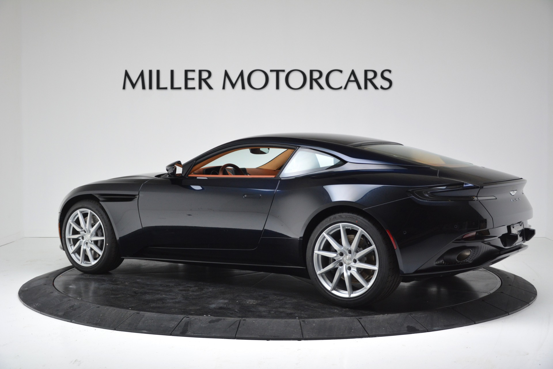 New 2019 Aston Martin DB11 V8 Coupe For Sale In Westport, CT 3145_p4