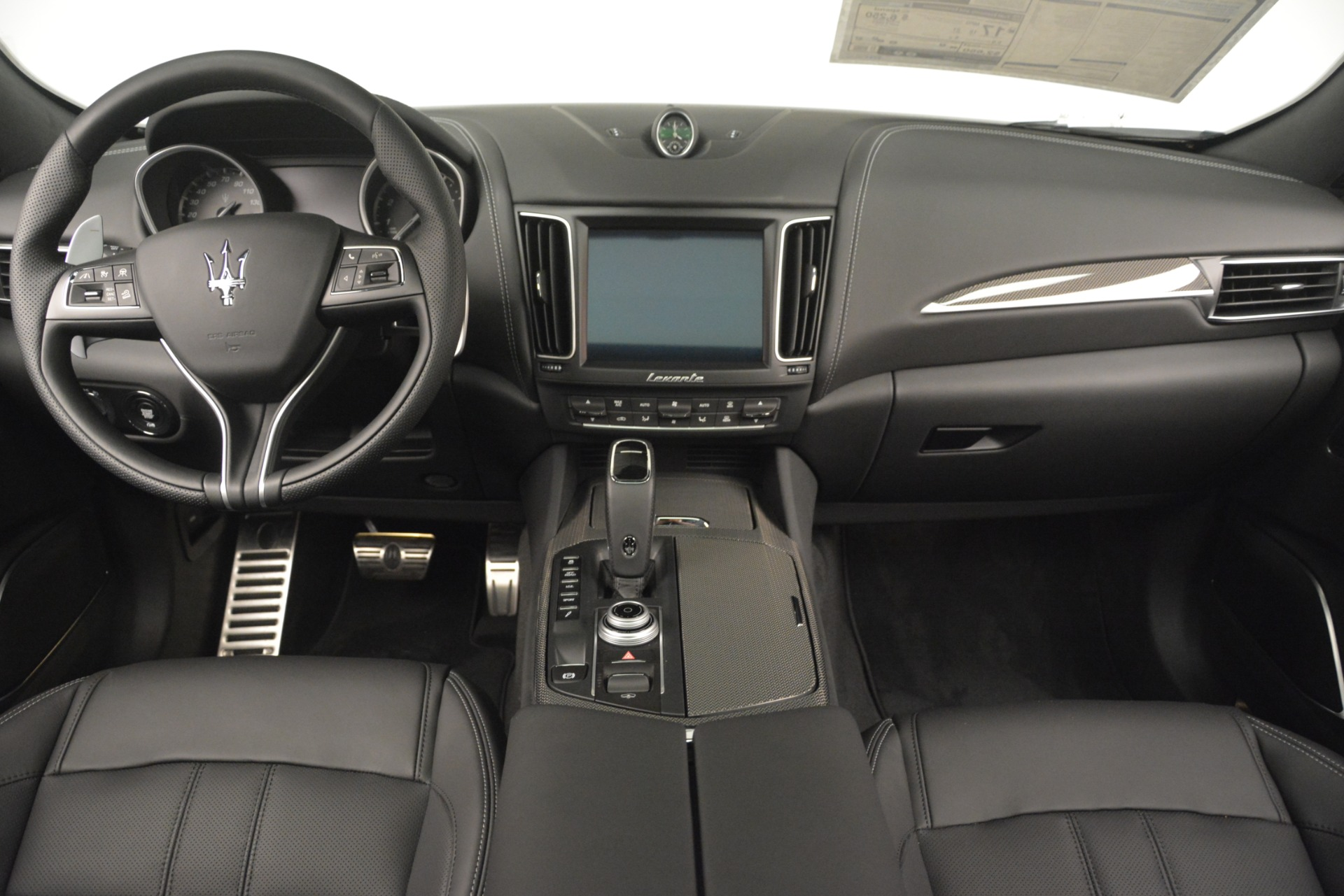 New 2019 Maserati Levante SQ4 GranSport Nerissimo For Sale In Westport, CT 3146_p16