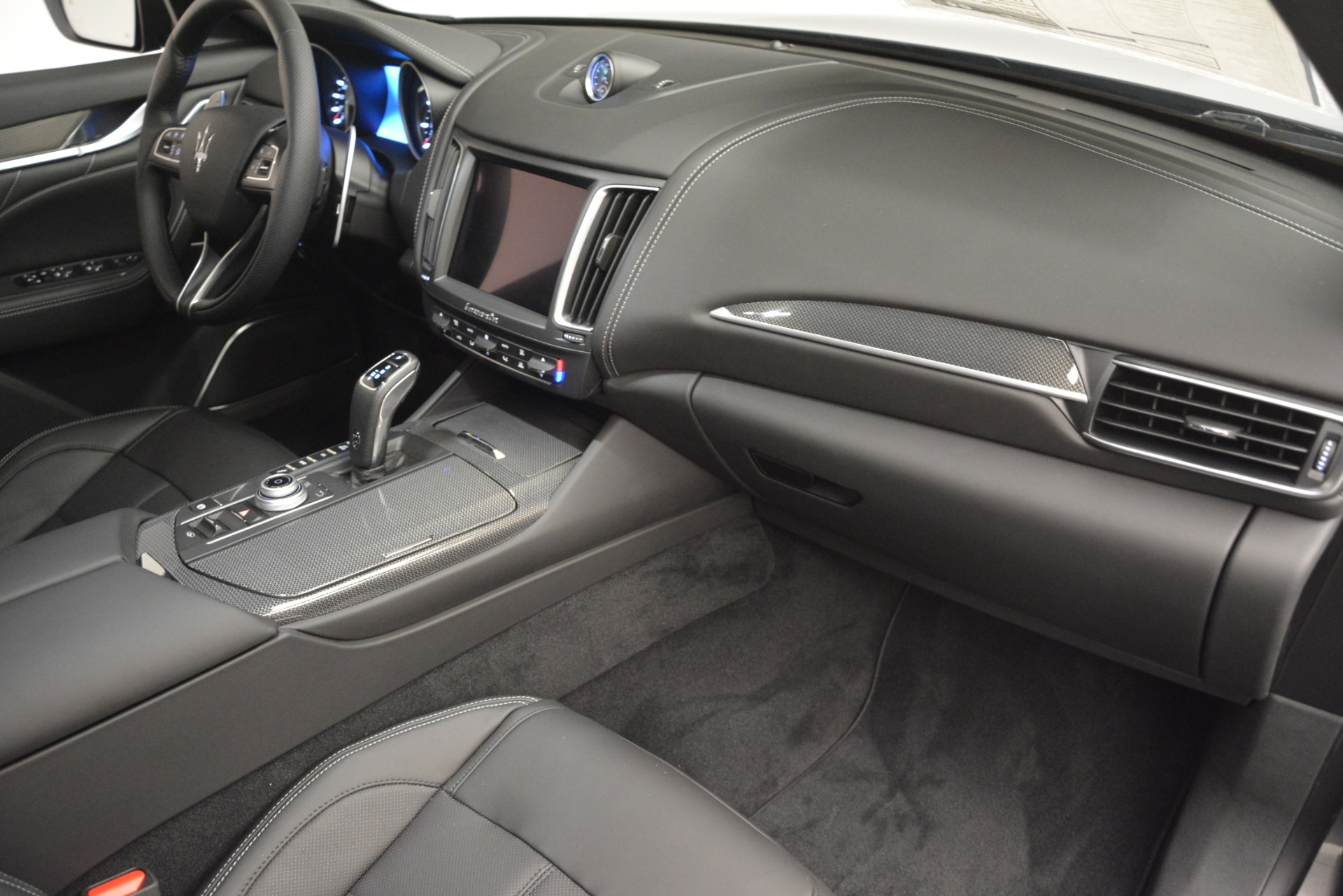 New 2019 Maserati Levante SQ4 GranSport Nerissimo For Sale In Westport, CT 3146_p22