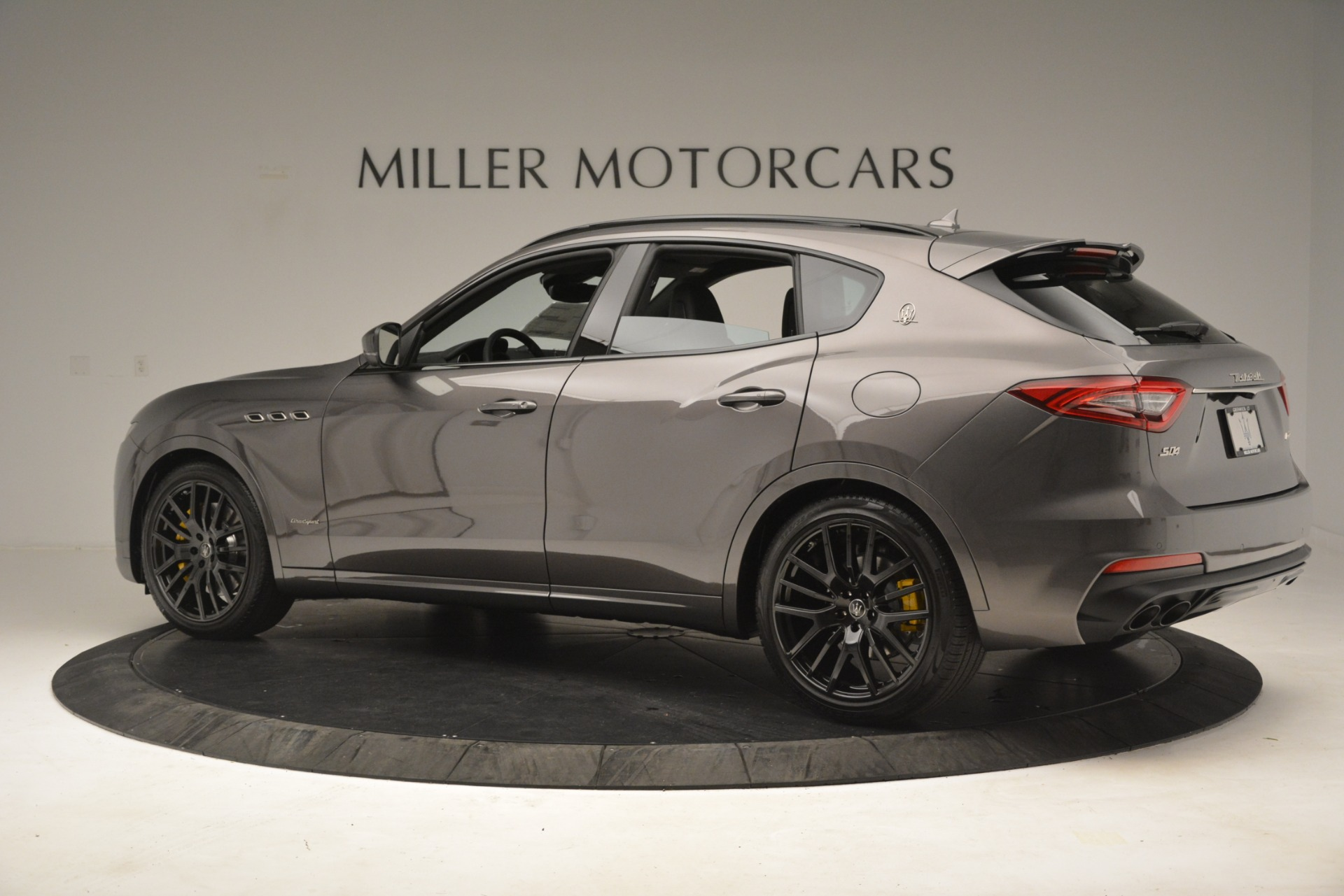 New 2019 Maserati Levante SQ4 GranSport Nerissimo For Sale In Westport, CT 3146_p4