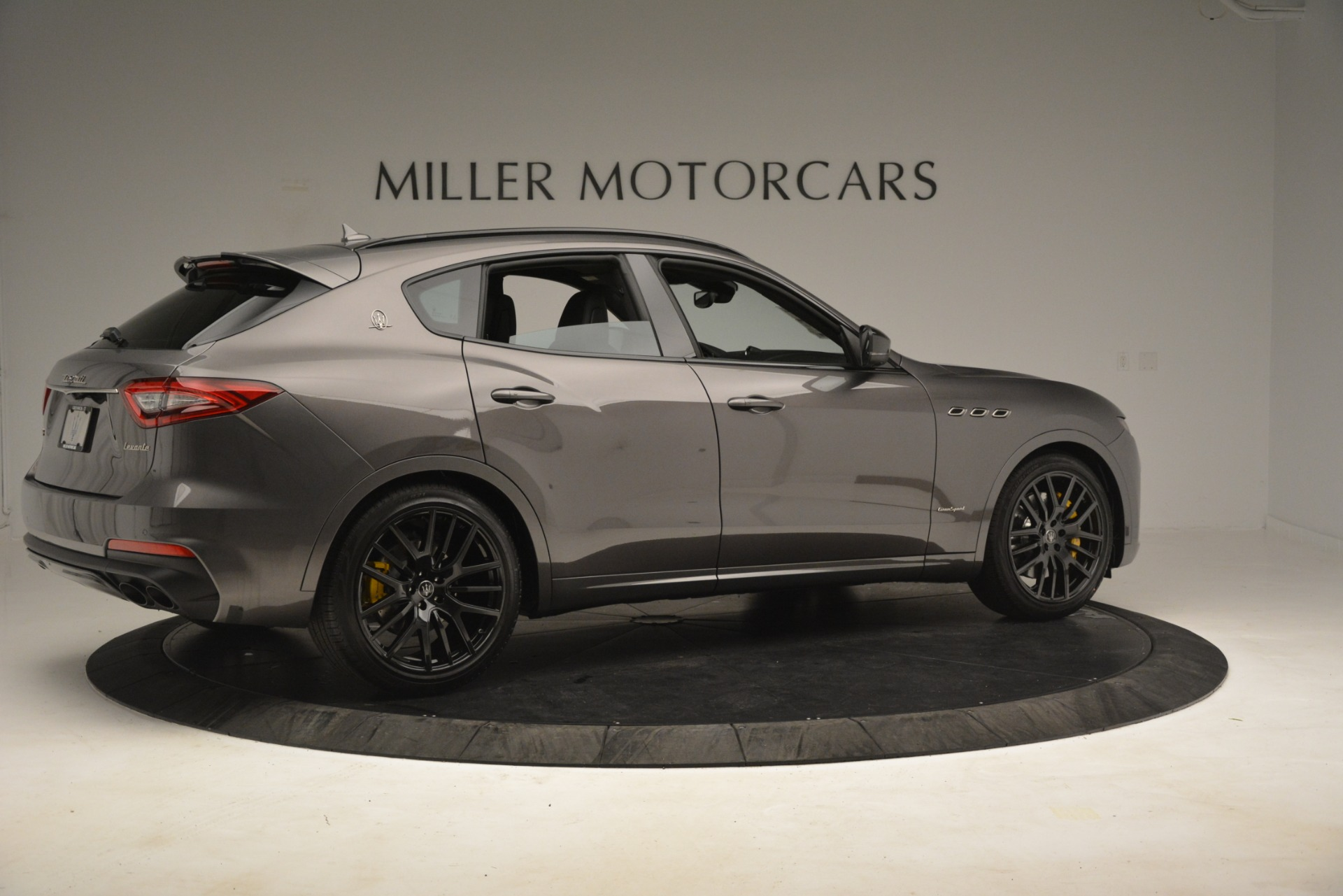 New 2019 Maserati Levante SQ4 GranSport Nerissimo For Sale In Westport, CT 3146_p8