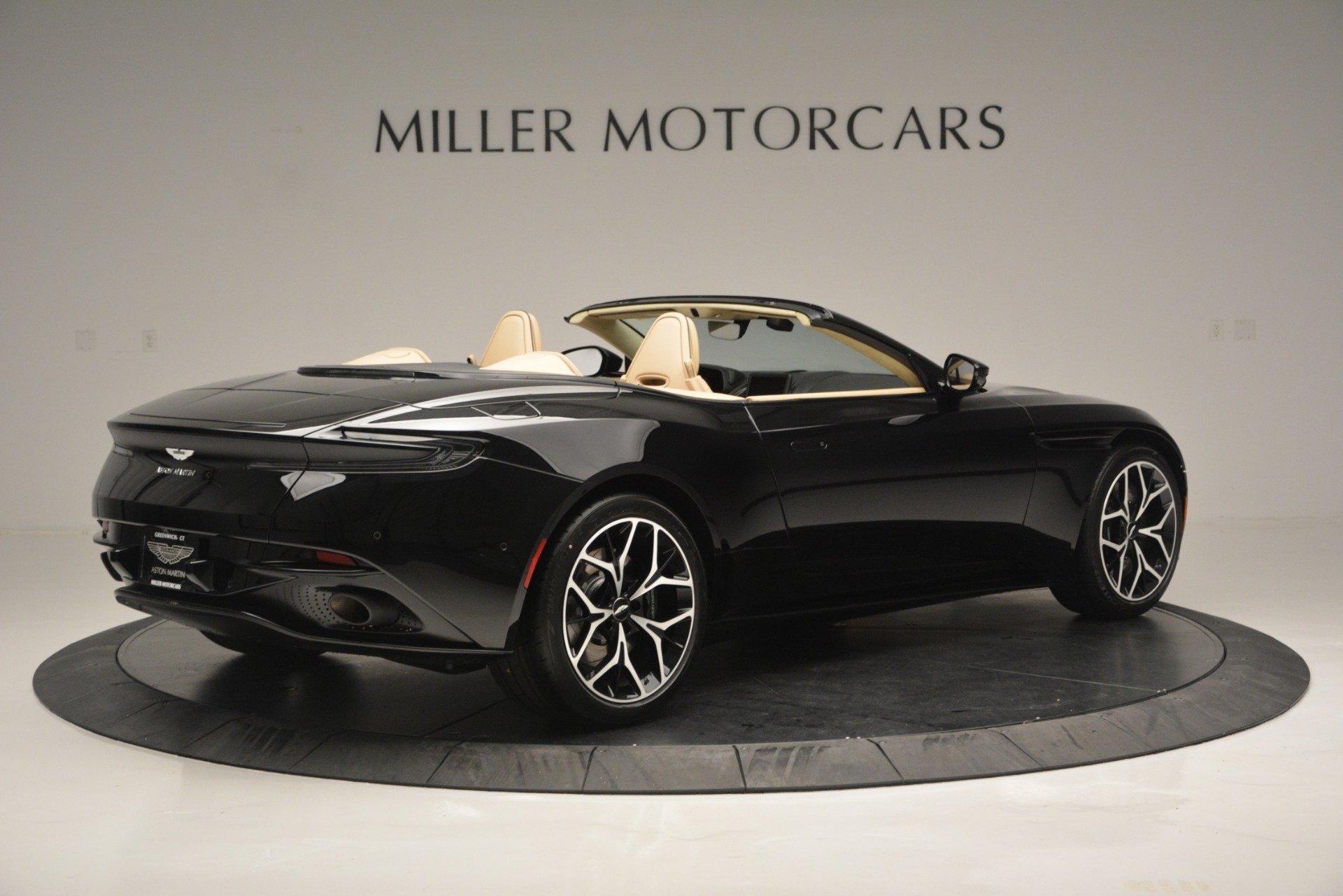 New 2019 Aston Martin DB11 V8 Convertible For Sale In Westport, CT 3148_p8