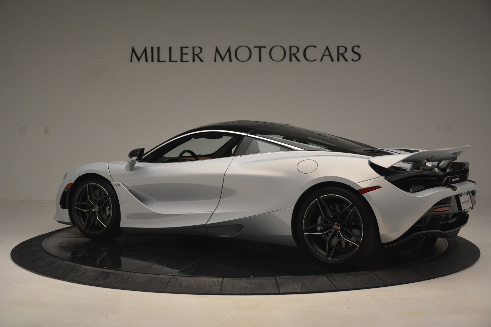Used 2018 McLaren 720S Coupe For Sale In Westport, CT 3157_p4