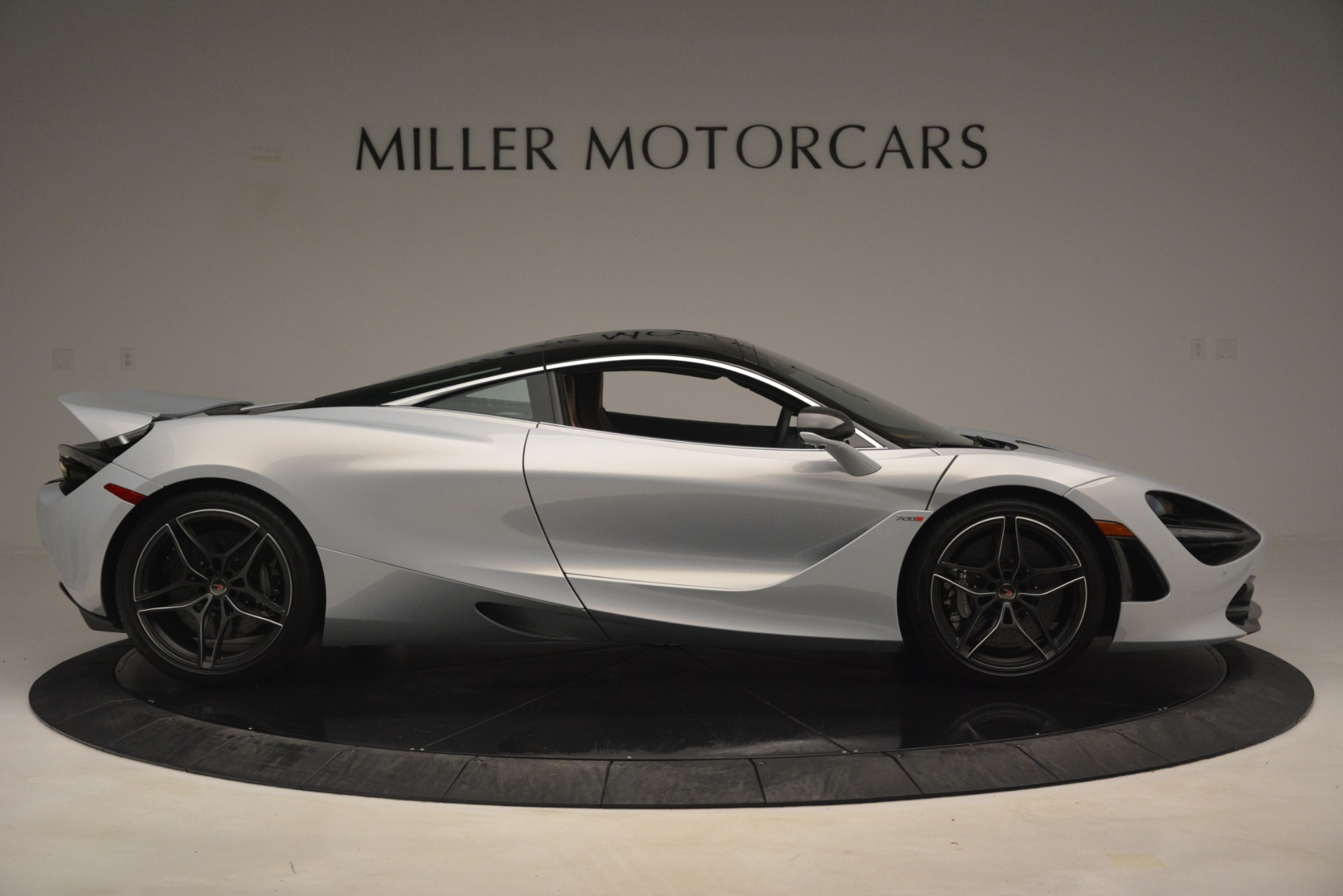 Used 2018 McLaren 720S Coupe For Sale In Westport, CT 3157_p9