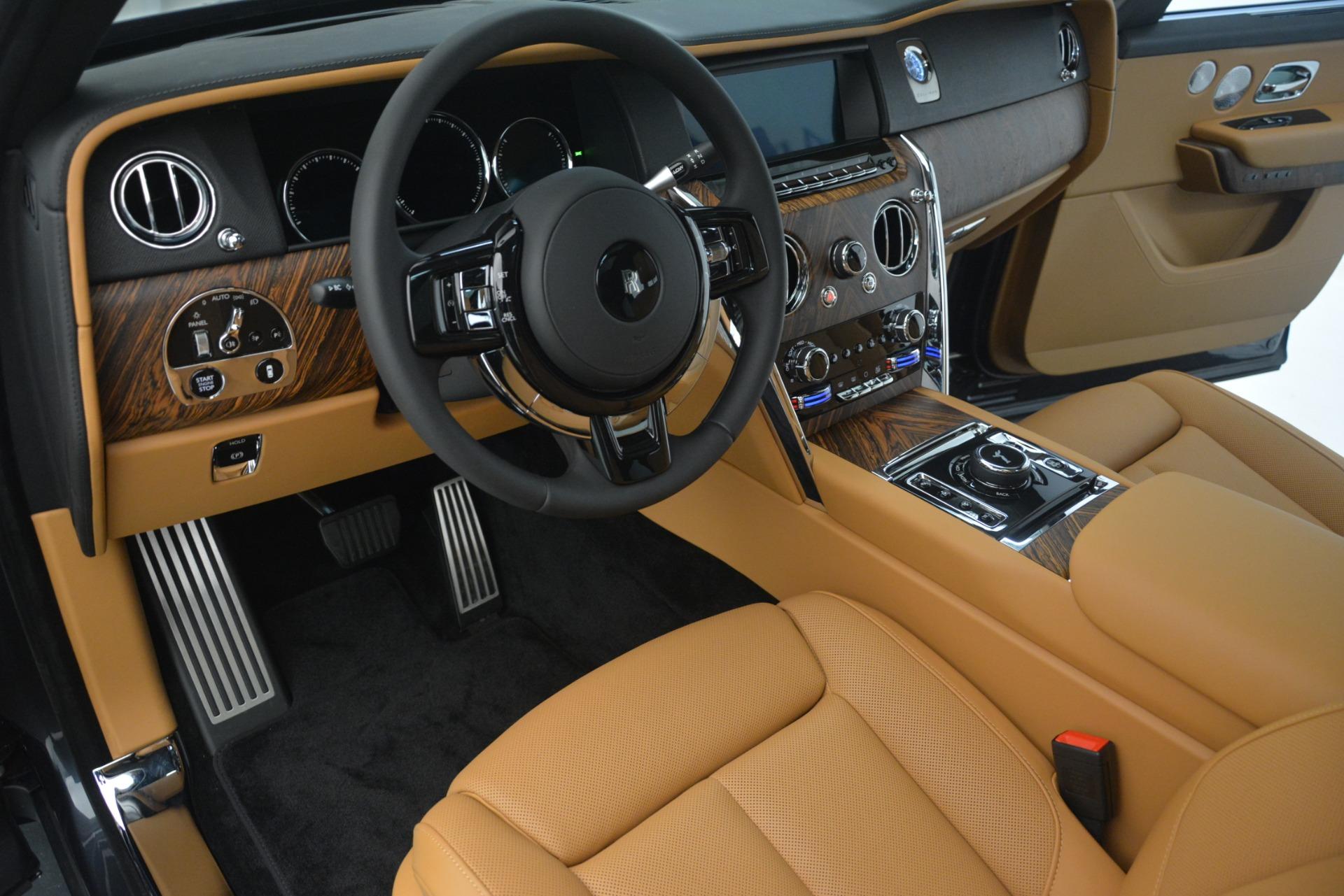 Used 2019 Rolls-Royce Cullinan  For Sale In Westport, CT 3162_p21