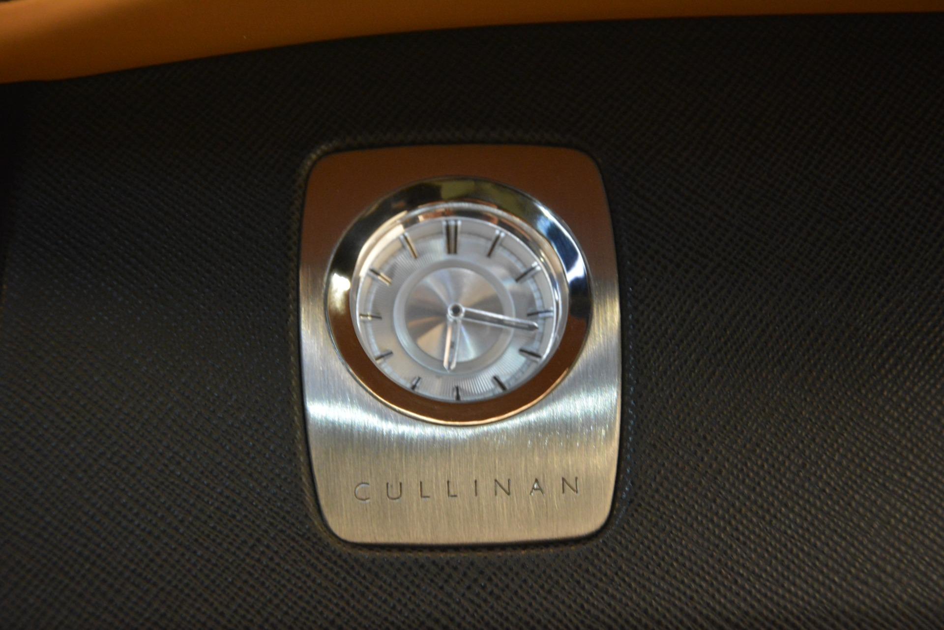 Used 2019 Rolls-Royce Cullinan  For Sale In Westport, CT 3162_p28