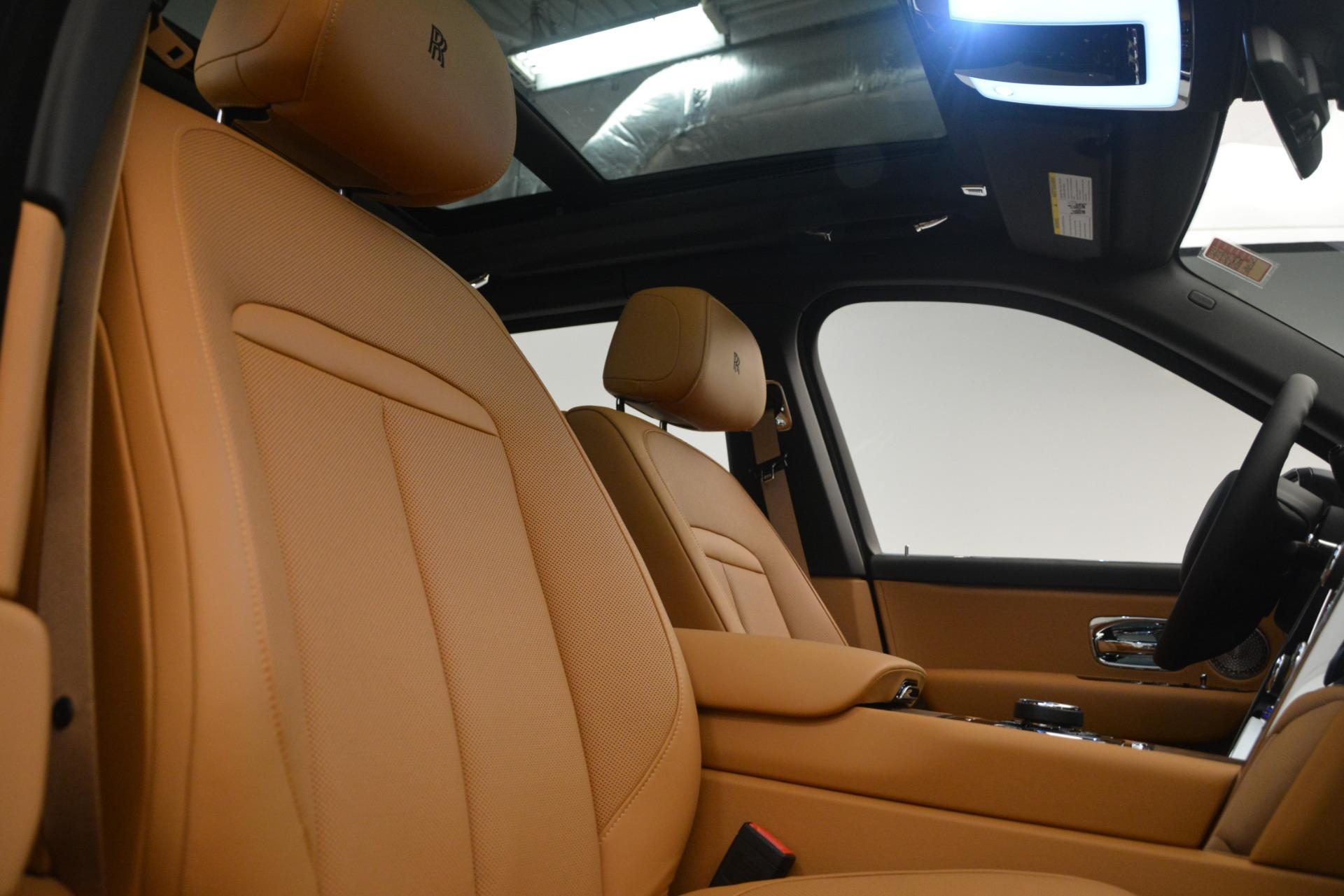 Used 2019 Rolls-Royce Cullinan  For Sale In Westport, CT 3162_p31