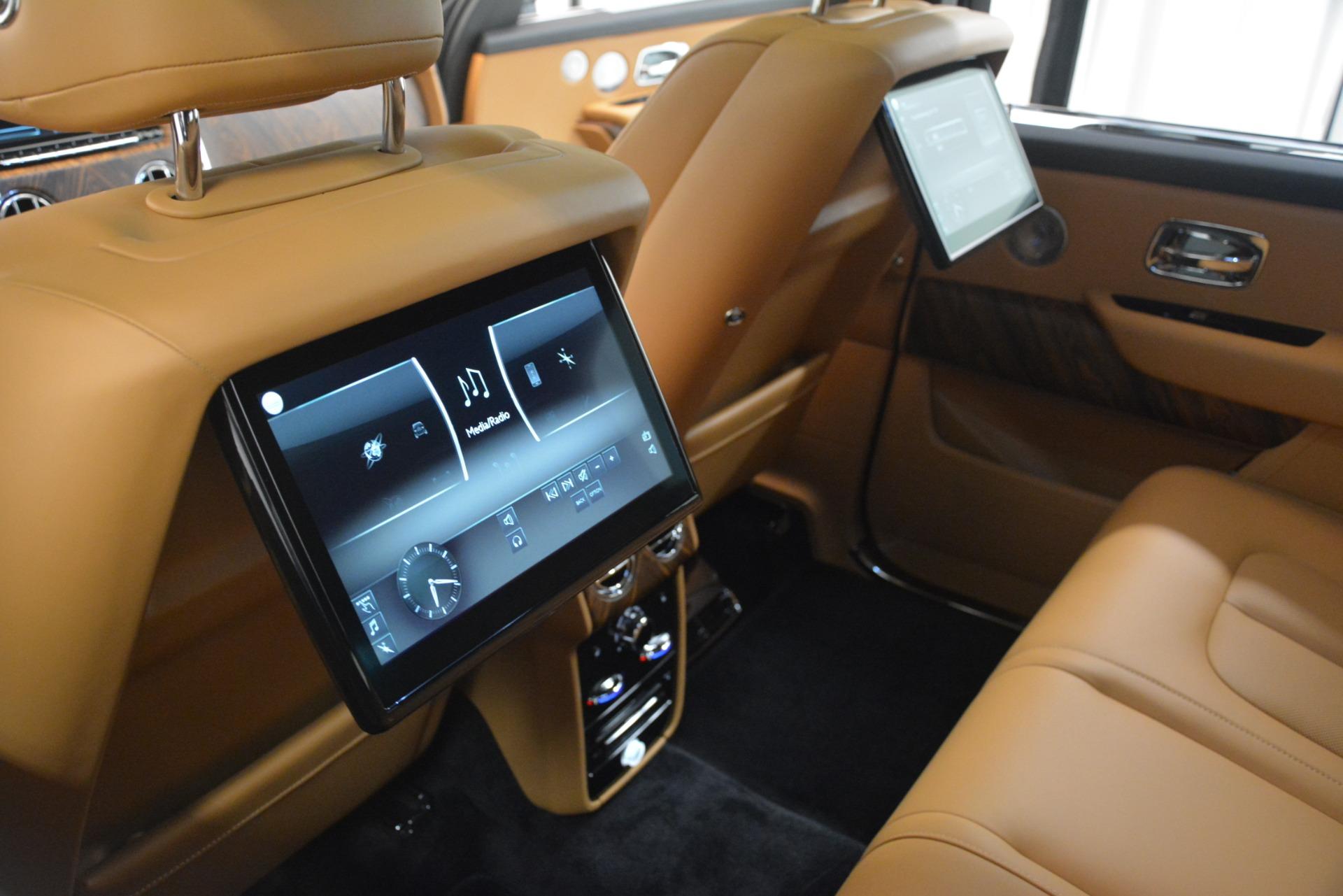Used 2019 Rolls-Royce Cullinan  For Sale In Westport, CT 3162_p36