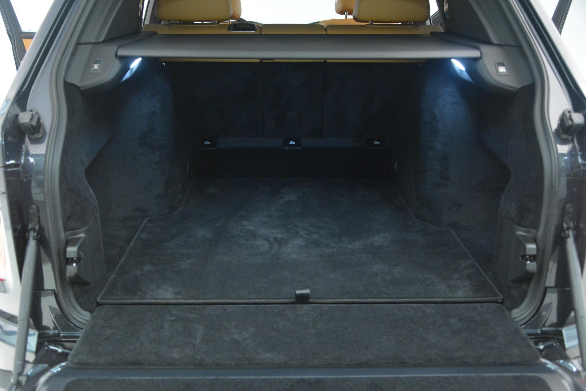 Used 2019 Rolls-Royce Cullinan  For Sale In Westport, CT 3162_p38