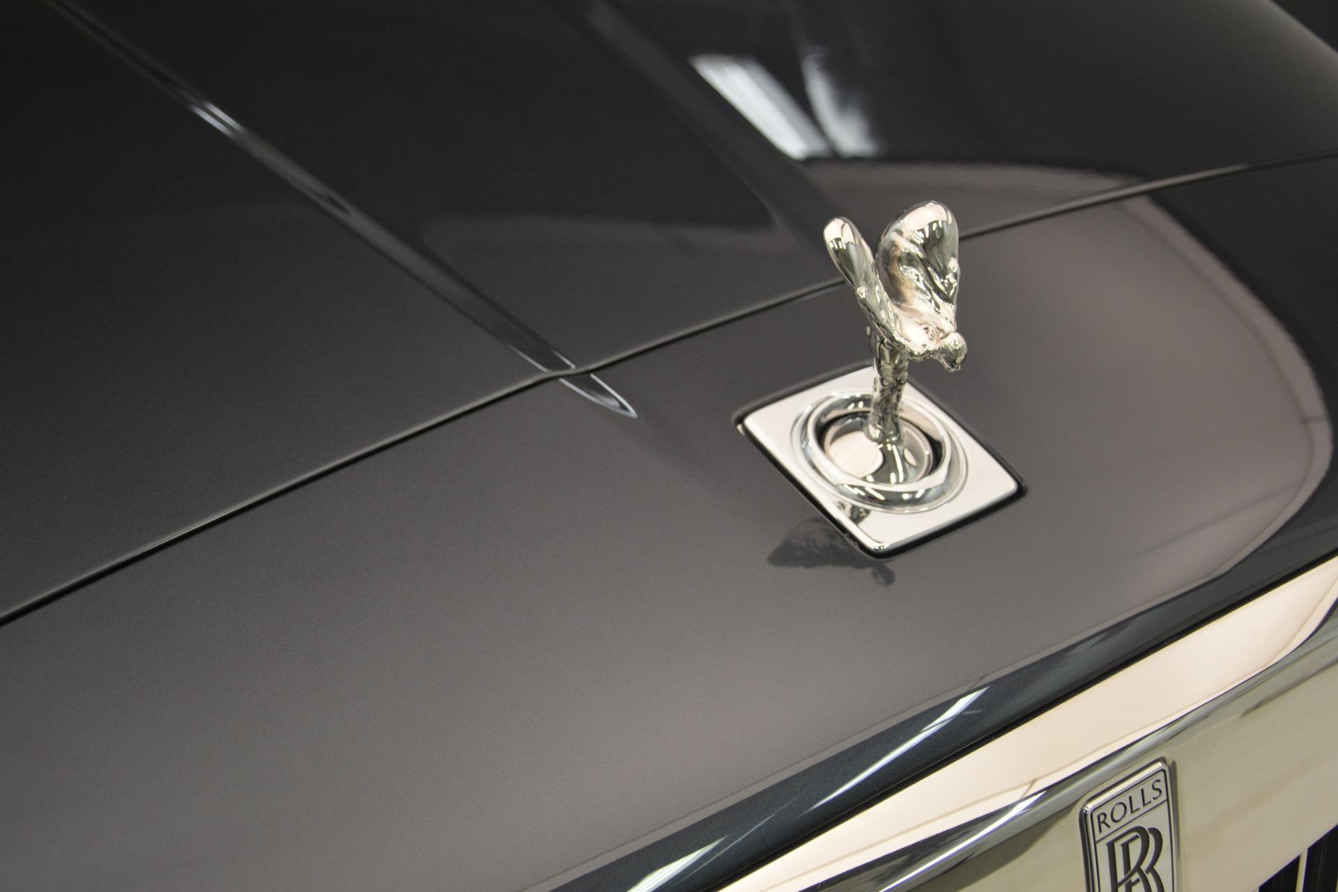 Used 2019 Rolls-Royce Cullinan  For Sale In Westport, CT 3162_p43