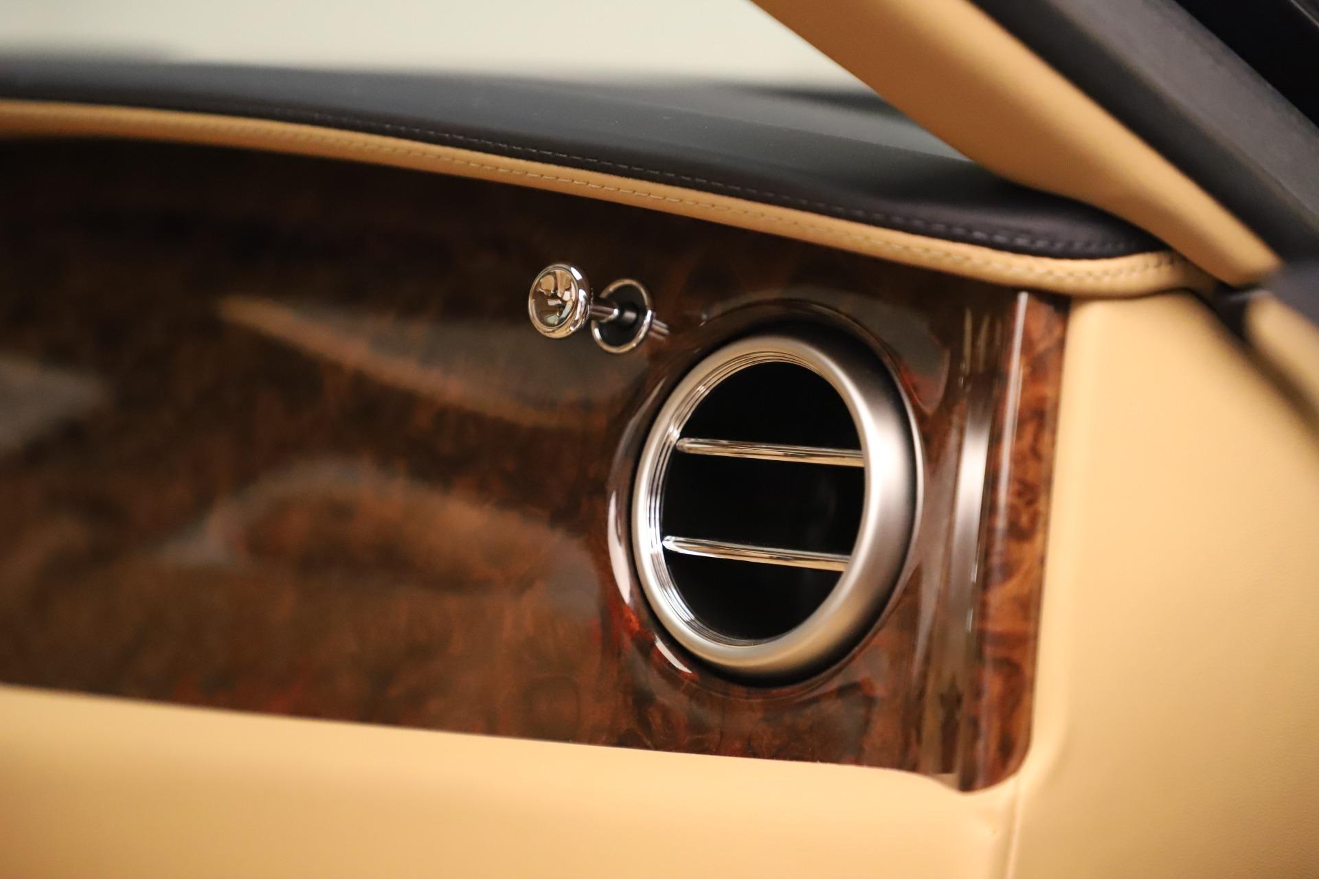 Used 2016 Bentley Flying Spur W12 For Sale In Westport, CT 3171_p32