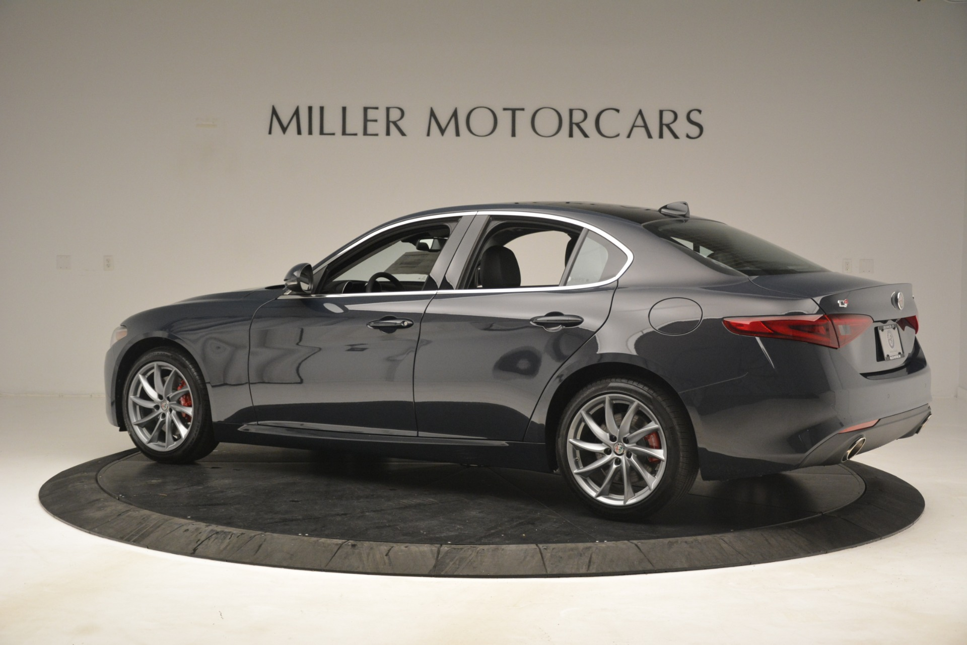 New 2019 Alfa Romeo Giulia Q4 For Sale In Westport, CT 3174_p4