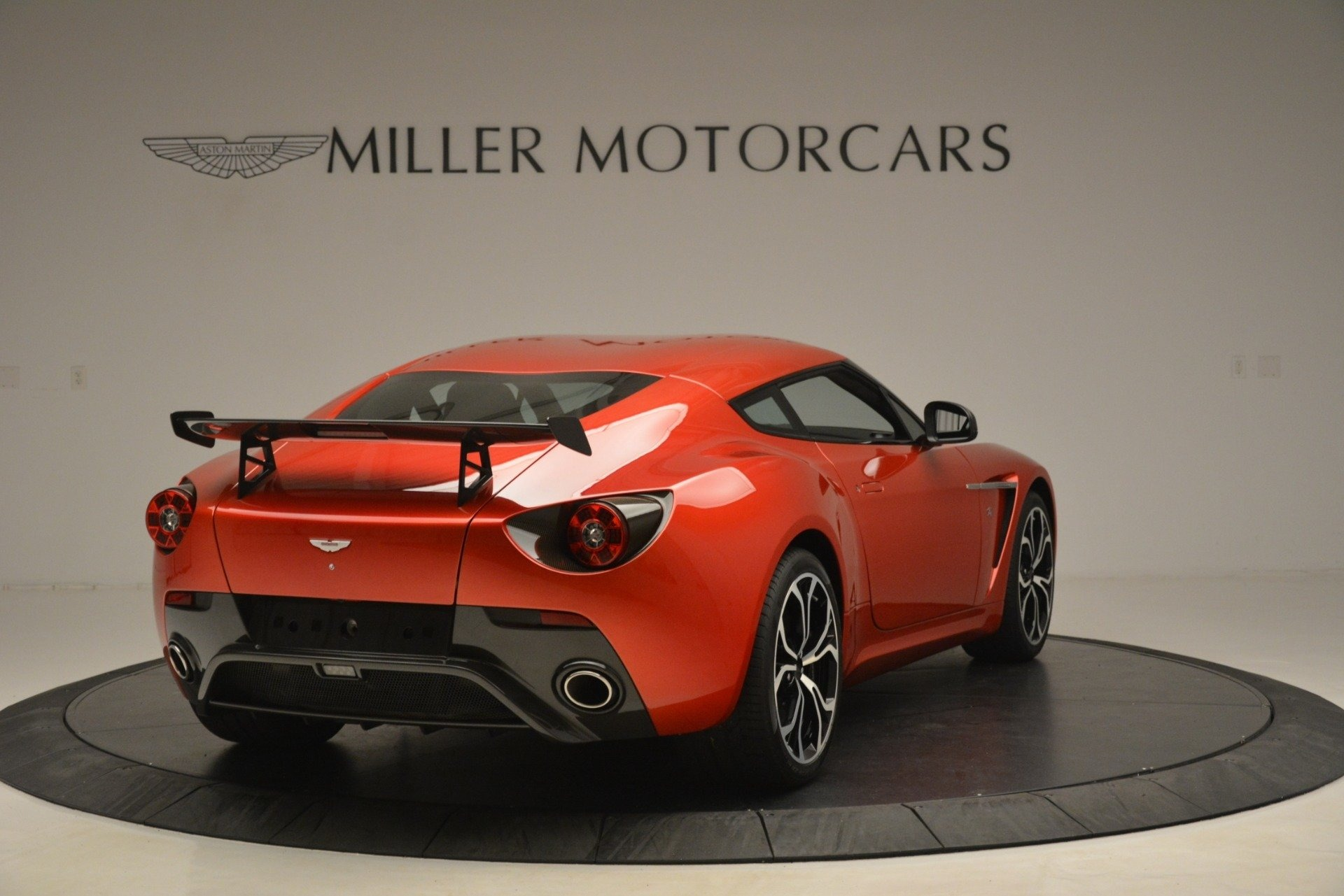 Used 2013 Aston Martin V12 Zagato Coupe For Sale In Westport, CT 3181_p5