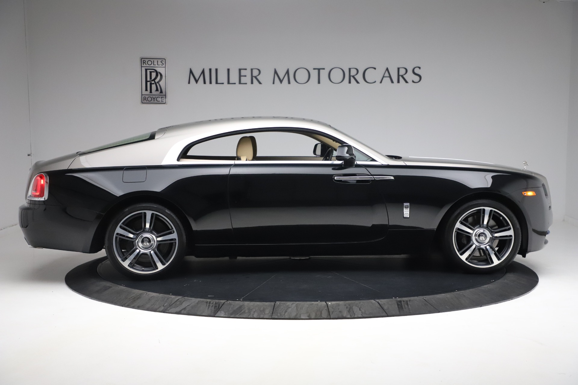 Used 2015 Rolls-Royce Wraith  For Sale In Westport, CT 3184_p11