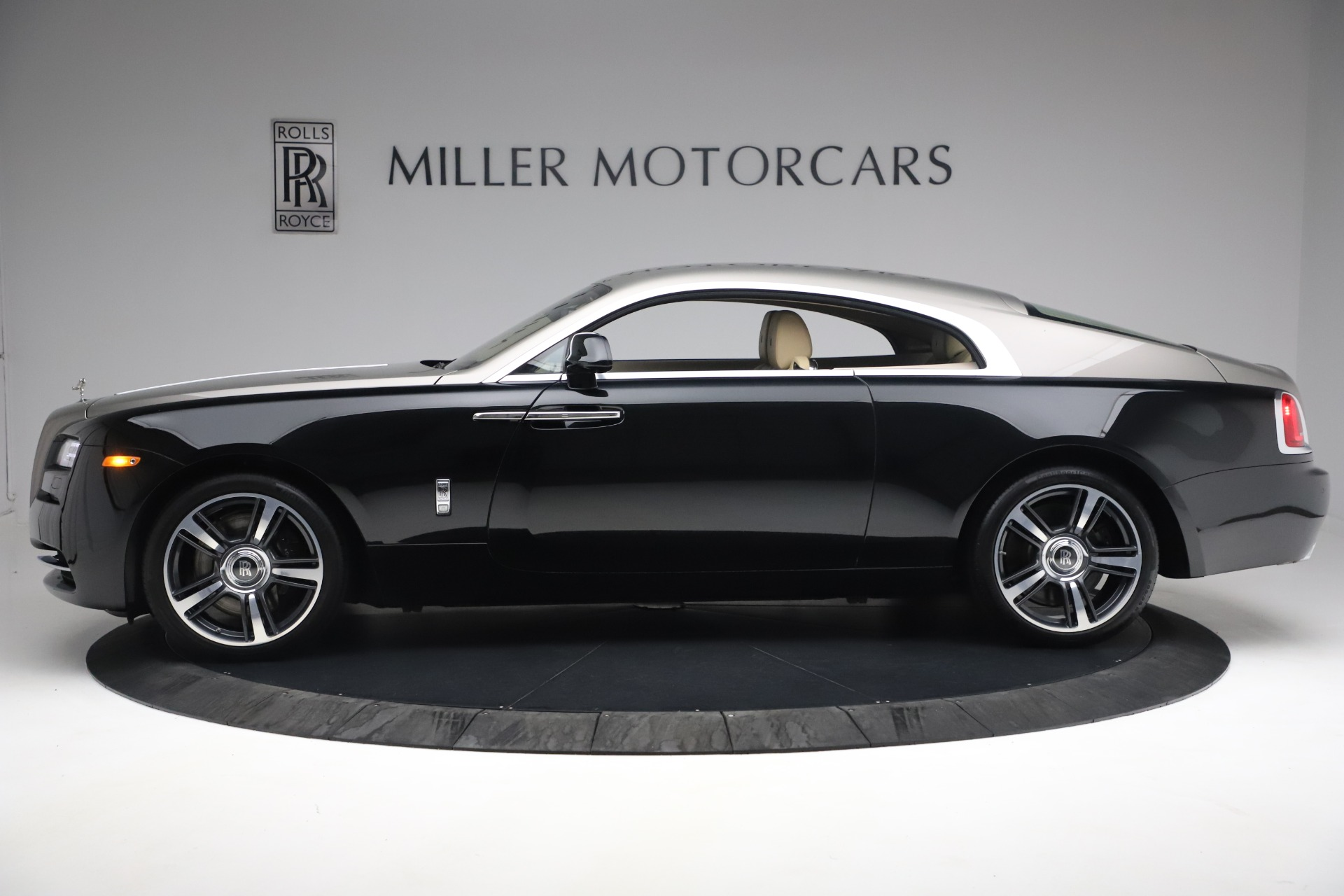 Used 2015 Rolls-Royce Wraith  For Sale In Westport, CT 3184_p5