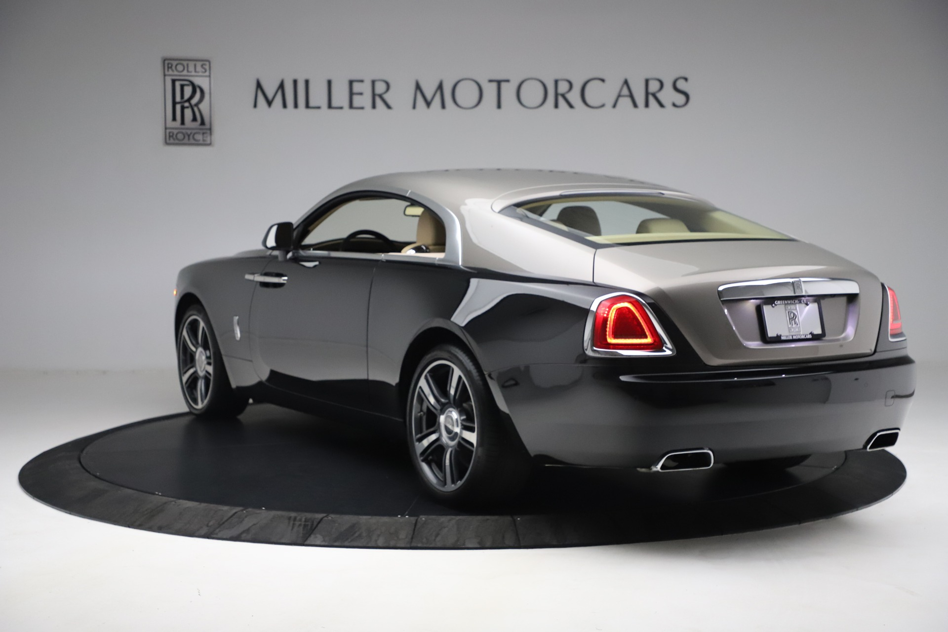 Used 2015 Rolls-Royce Wraith  For Sale In Westport, CT 3184_p7