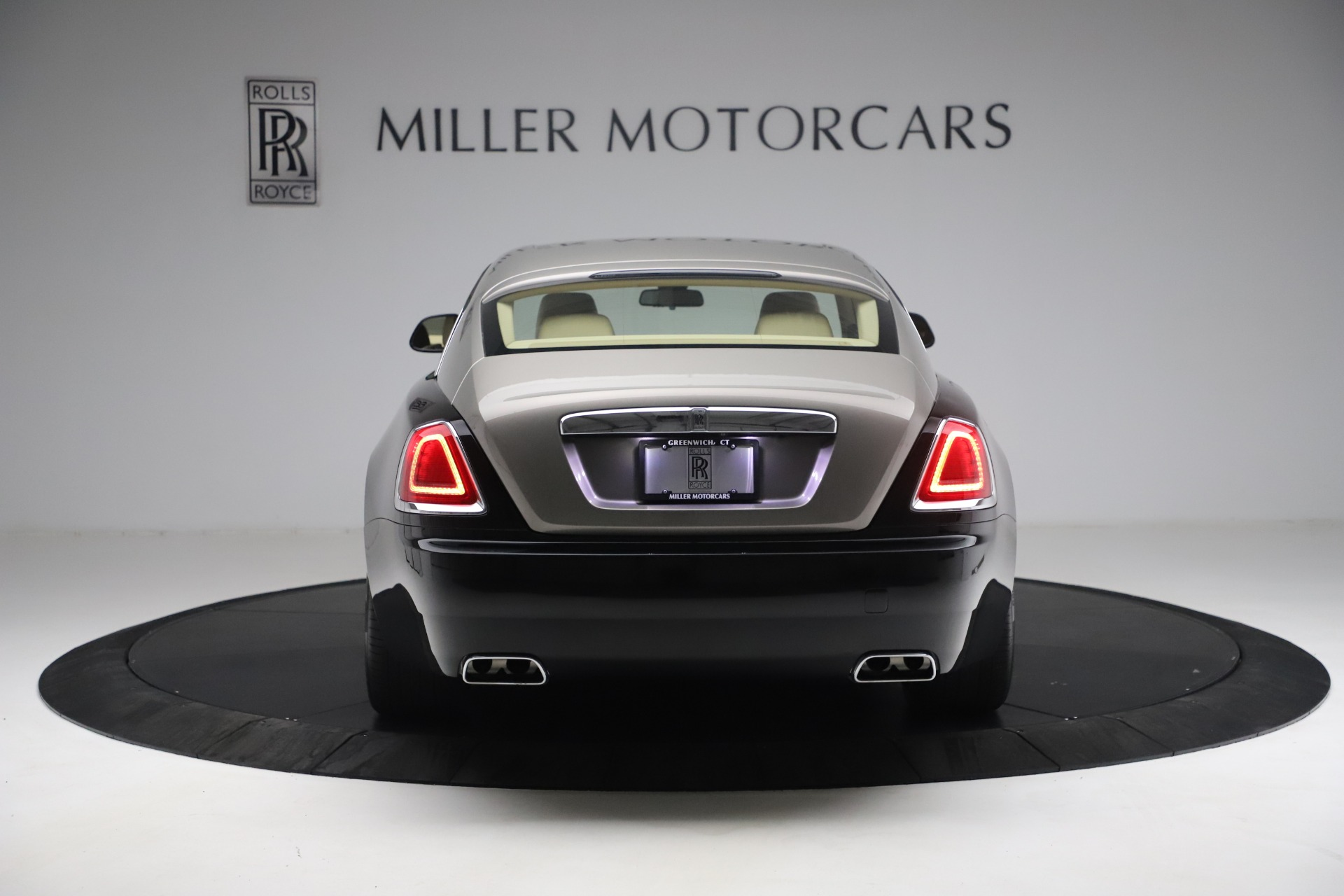 Used 2015 Rolls-Royce Wraith  For Sale In Westport, CT 3184_p8