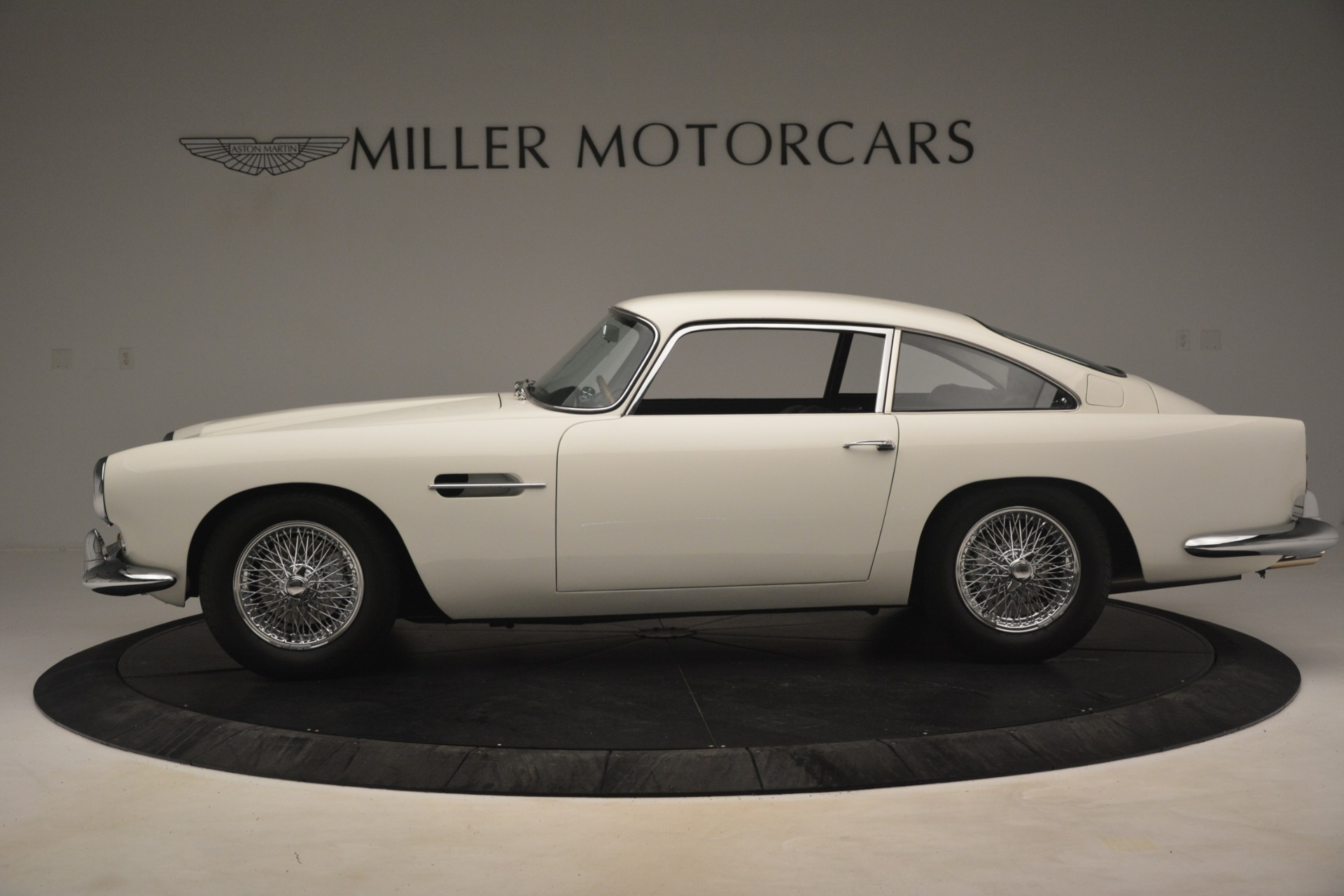 Used 1961 Aston Martin DB4 Series IV Coupe For Sale In Westport, CT 3186_p3