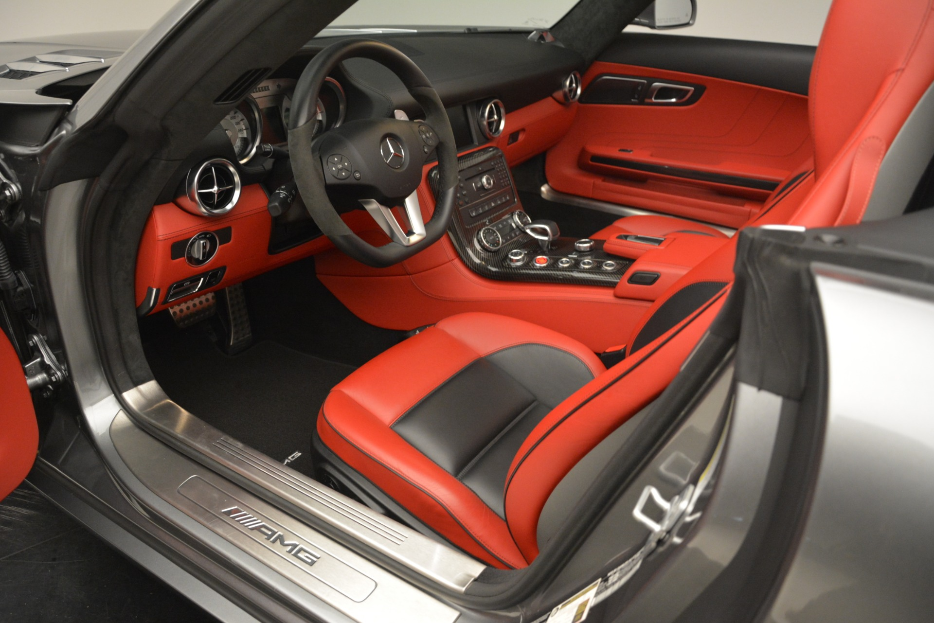Used 2012 Mercedes-Benz SLS AMG  For Sale In Westport, CT 3189_p20