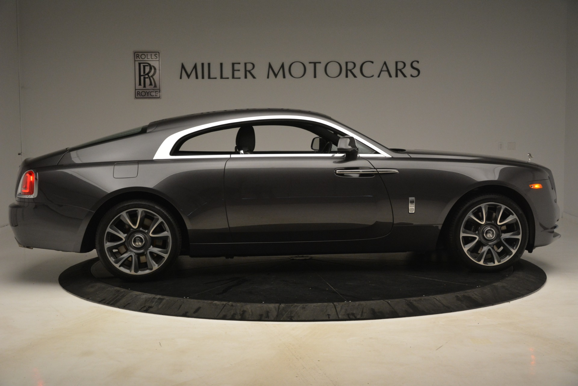 Used 2018 Rolls-Royce Wraith  For Sale In Westport, CT 3196_p10