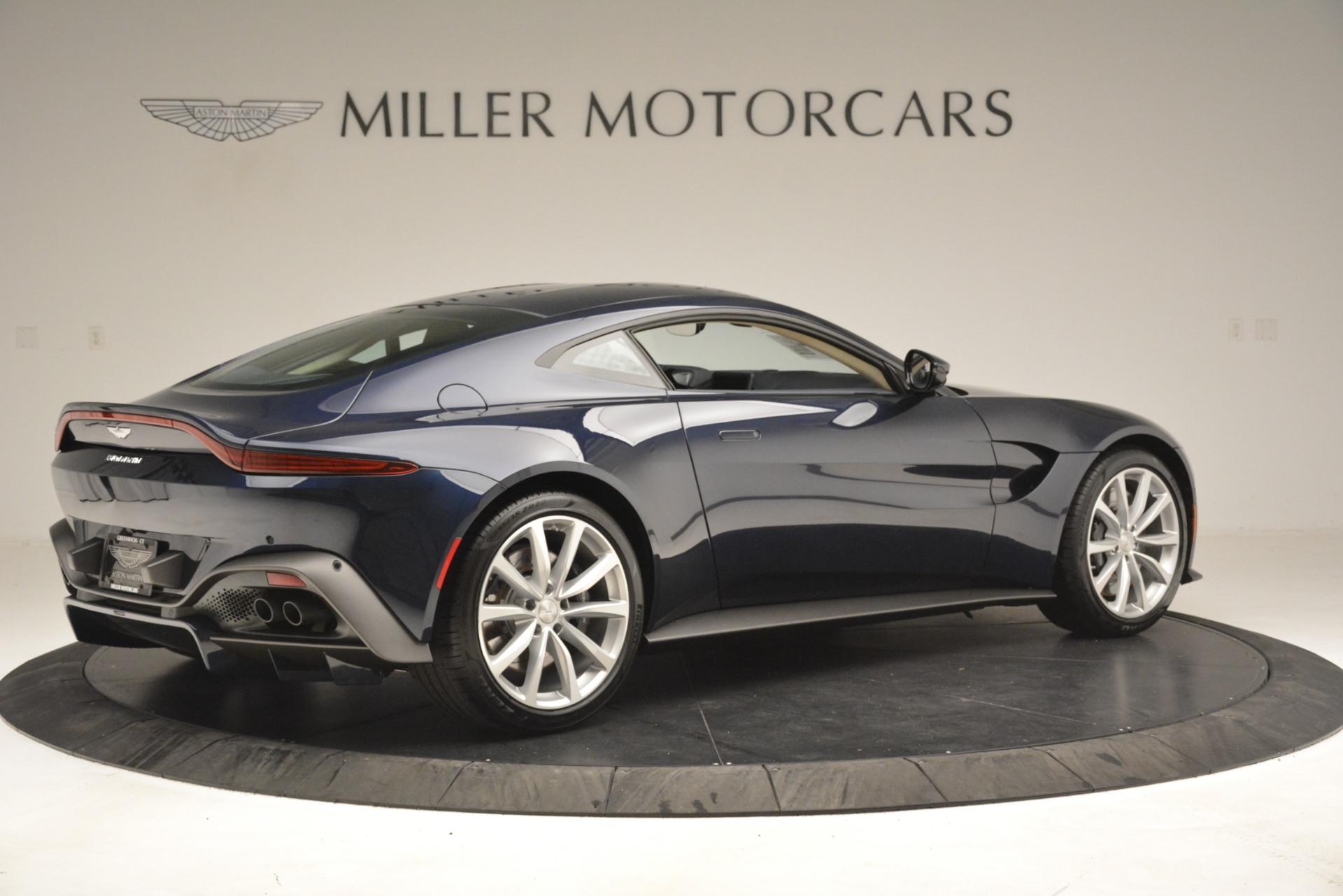 New 2019 Aston Martin Vantage V8 For Sale In Westport, CT 3198_p8