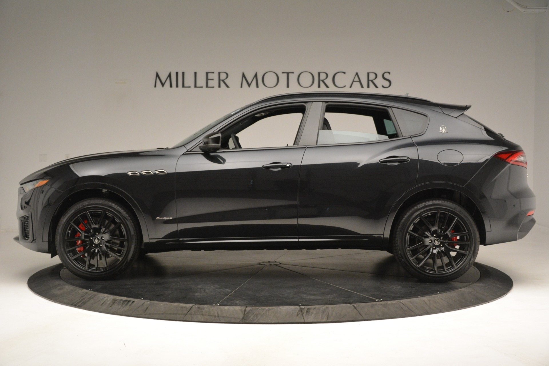New 2019 Maserati Levante SQ4 GranSport Nerissimo For Sale In Westport, CT 3199_p3